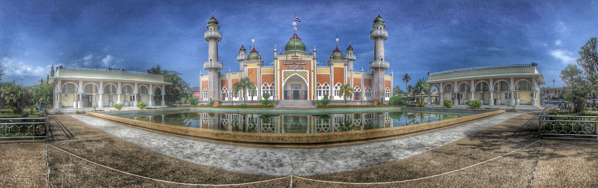 mosque pattani  by kajanan