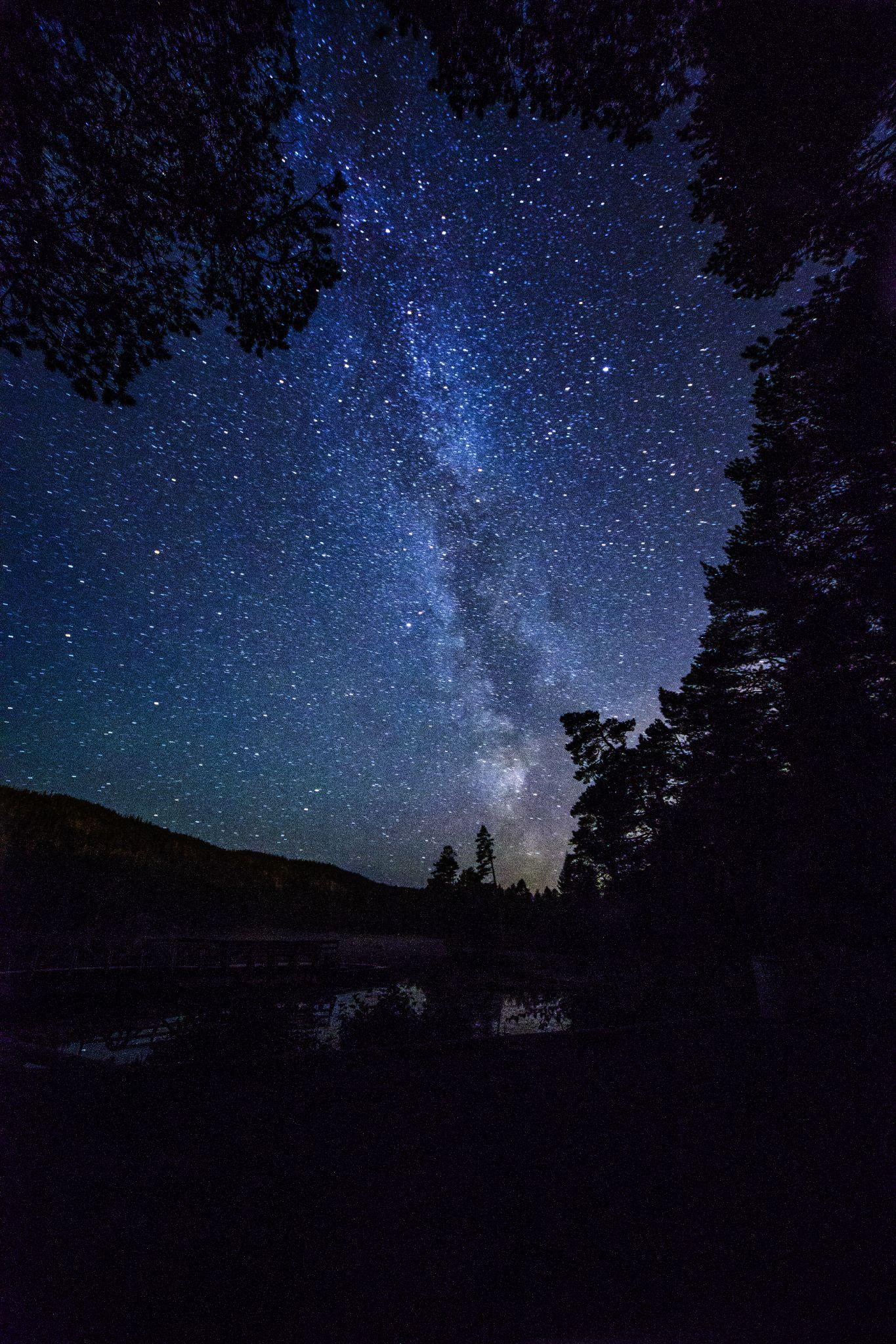 Milky Way on Stavsjøen by Odd Rune Wang