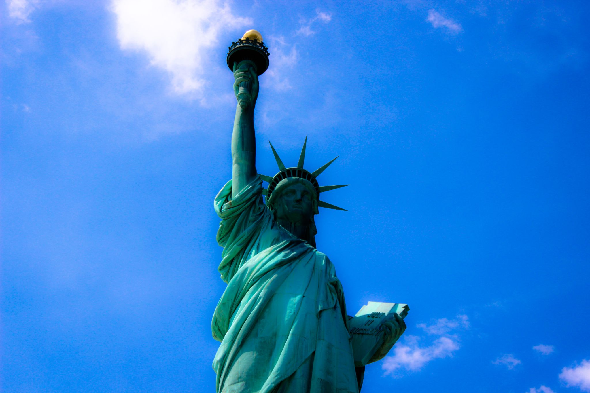 La Liberté éclairant le monde.... by Saadi Aswad