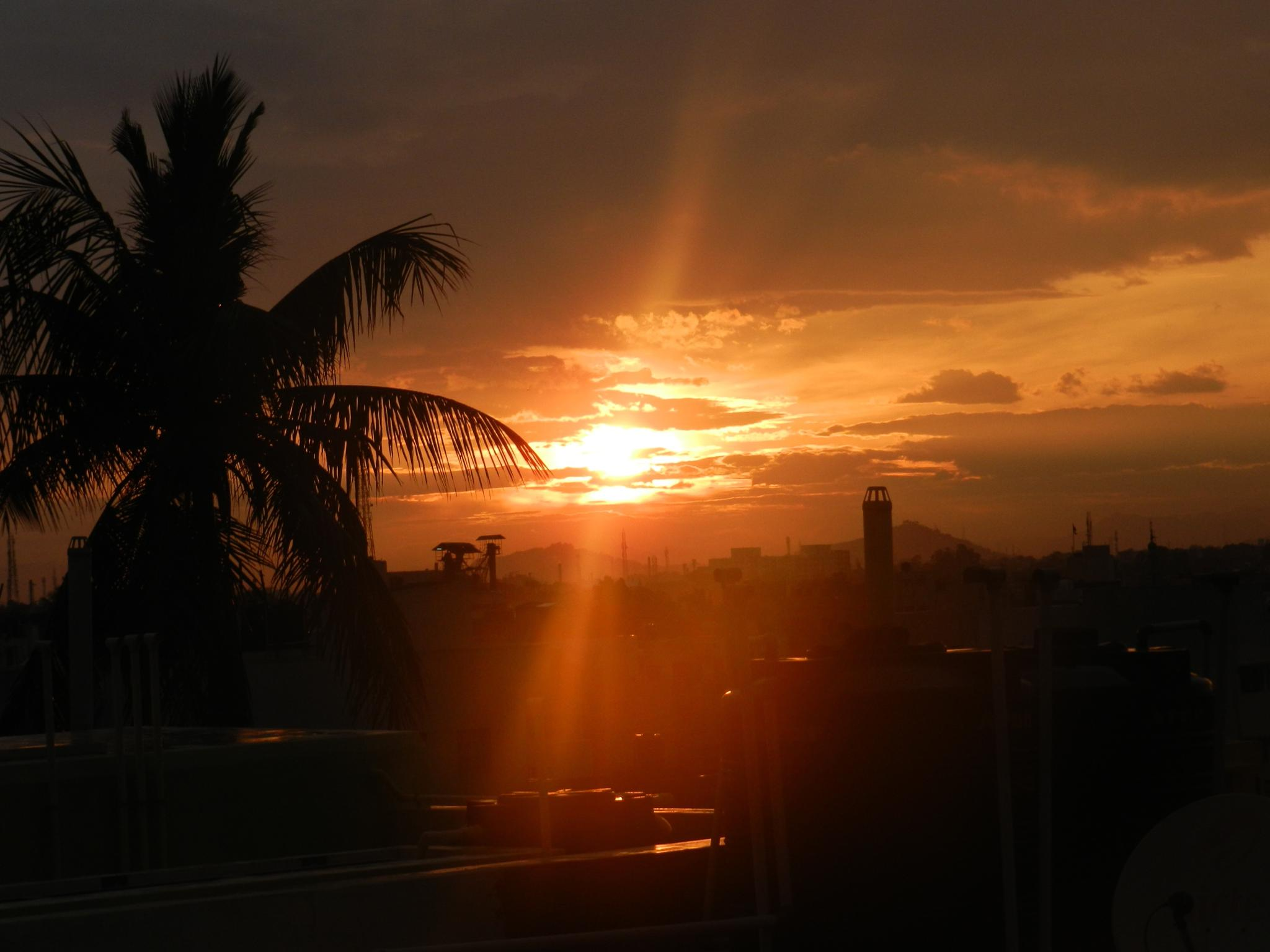 The best sunset ever..... by PRAVEENBALAJI