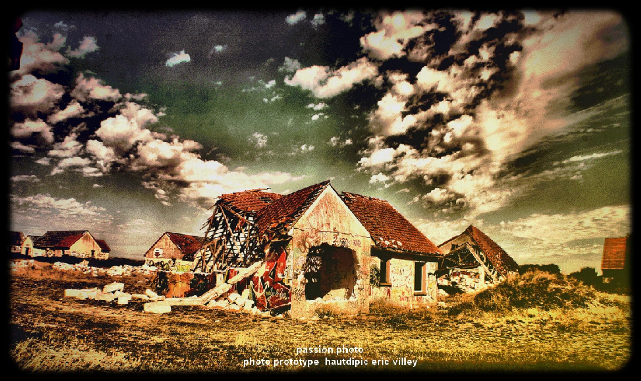 Pirou, le village abandonné...plus jamais ca... by ςɑʀɨиє єт єʀɨς ɑʀтɨsтєs ρɦღтღɢʀɑρɦєs