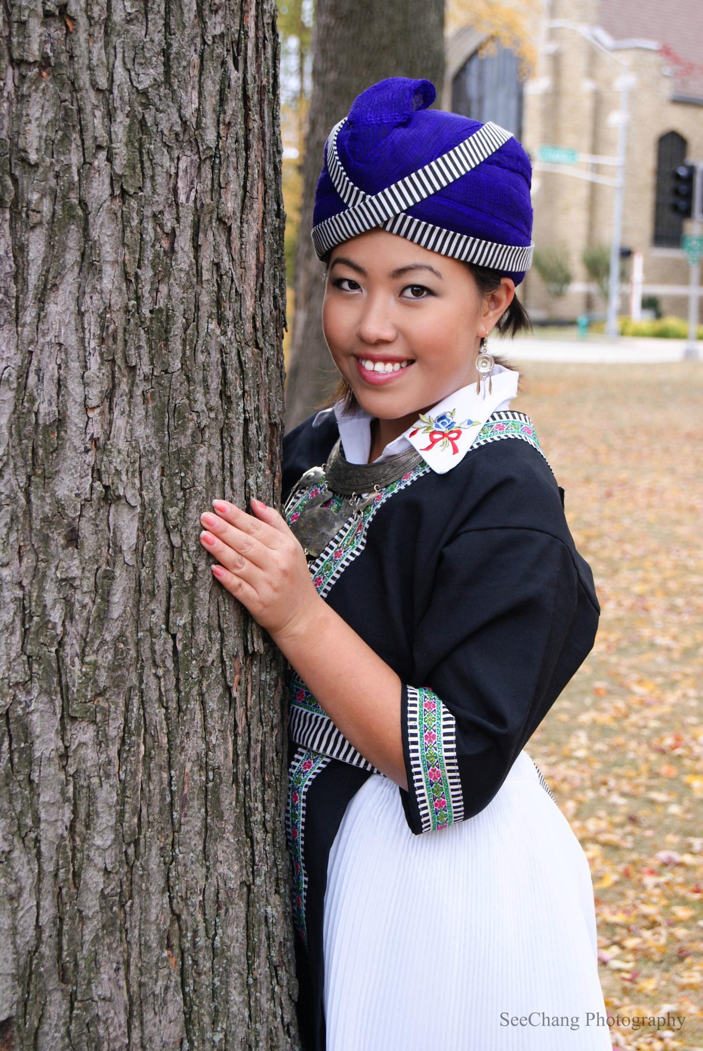 Hmong Beauty by SeeChang