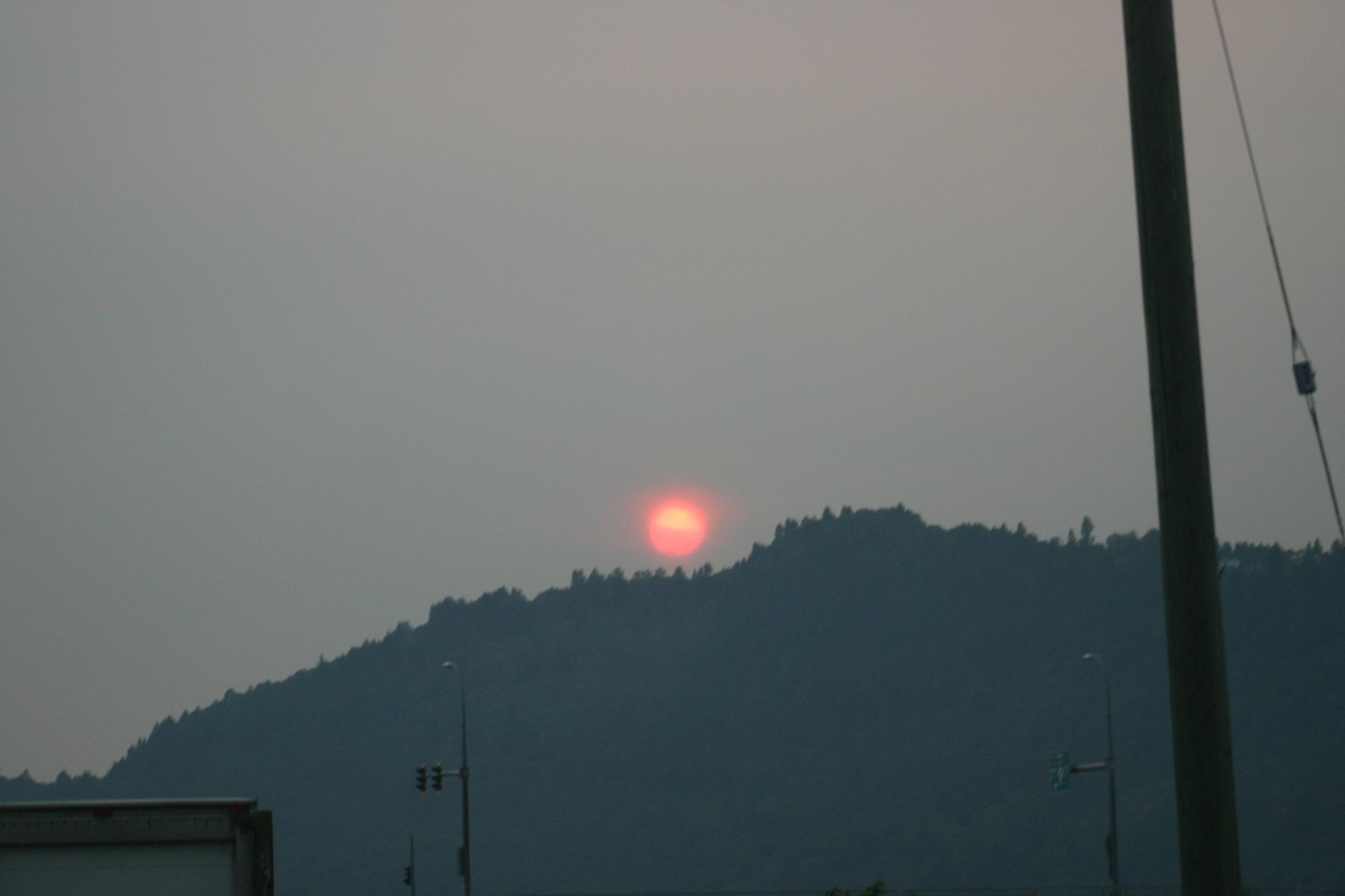 A Smokey Sunset. by henrywall63