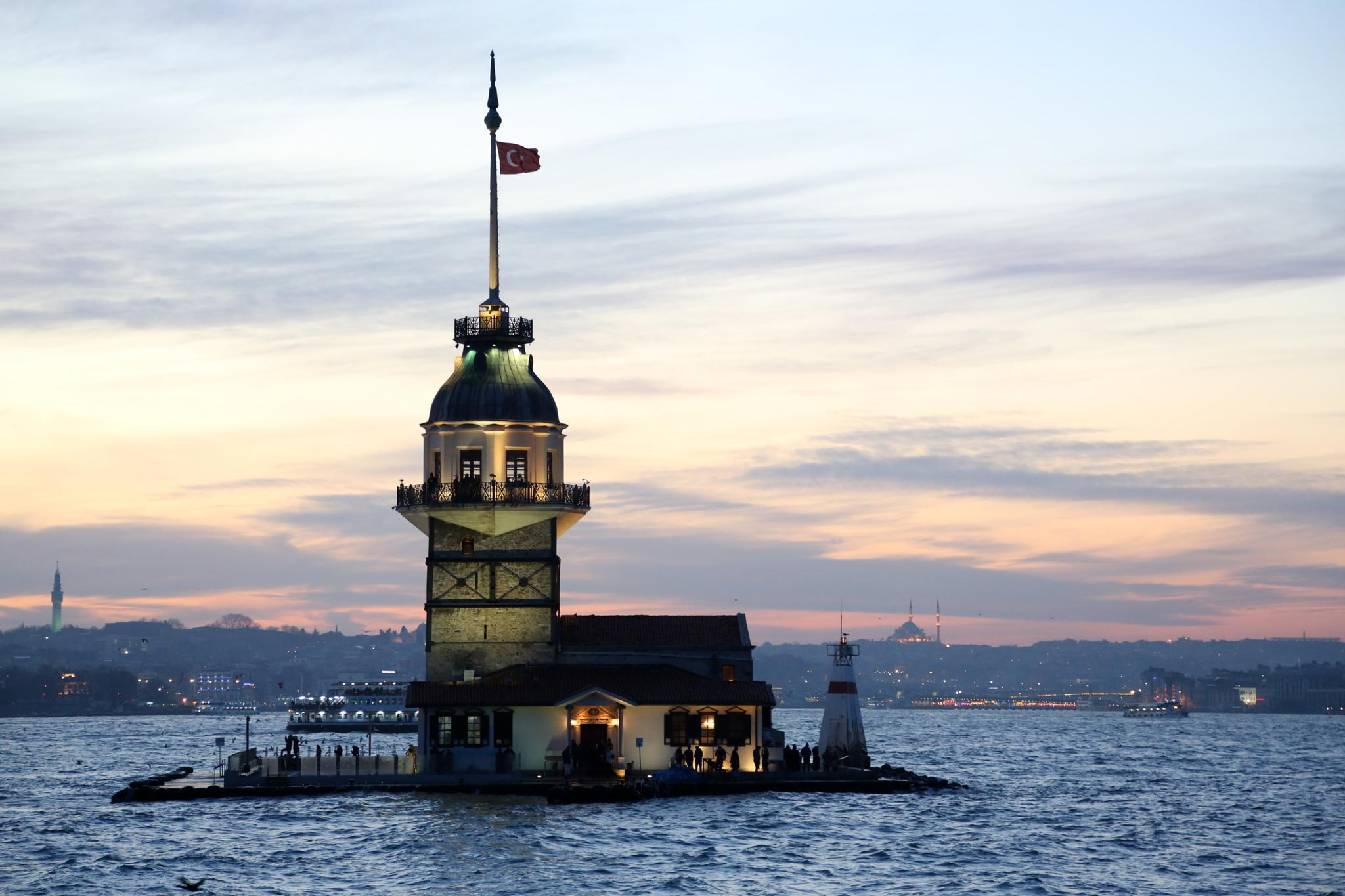In the Middle of the Sea of Marmara by Atila_Yumusakkaya