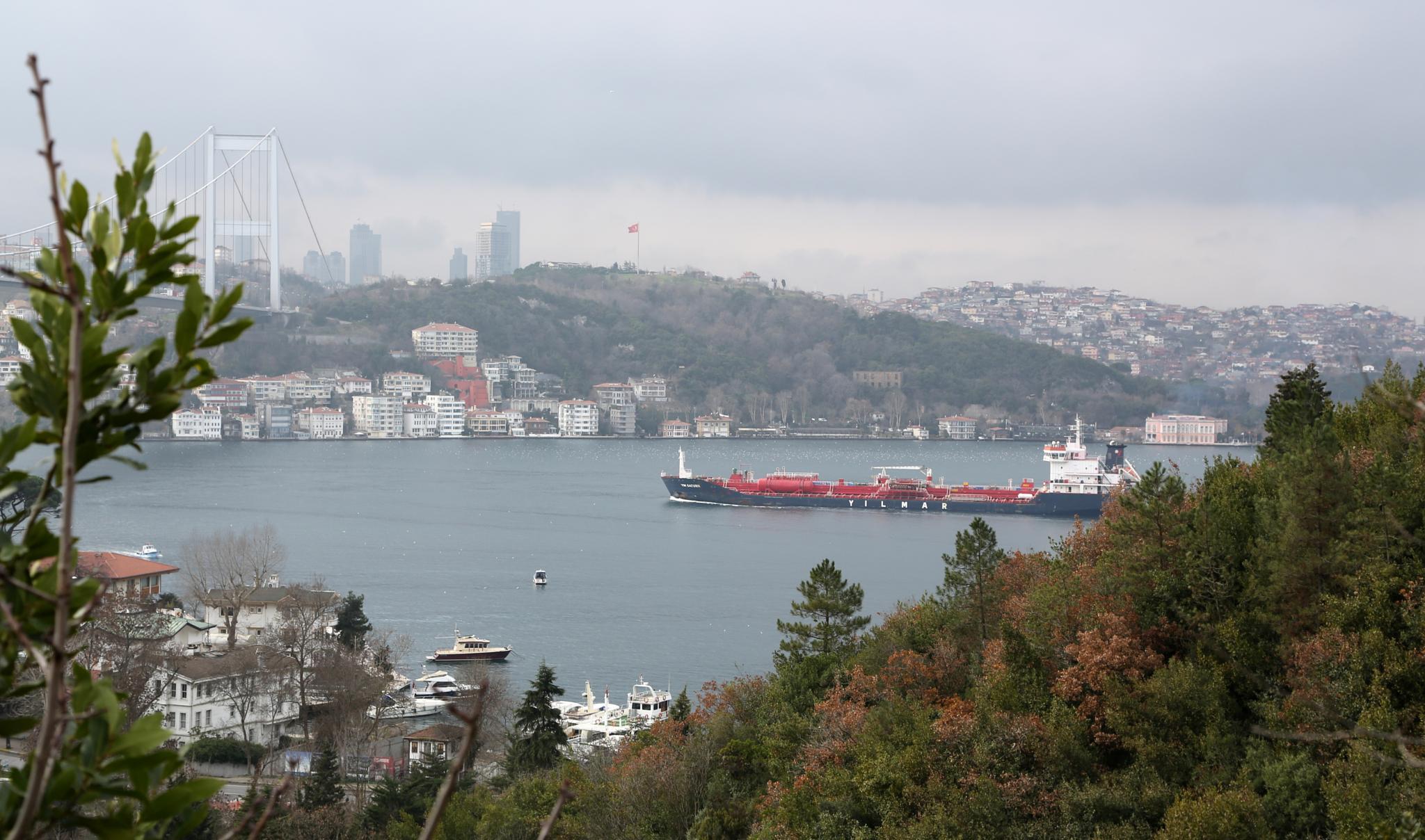 Istanbul Strait by Atila_Yumusakkaya