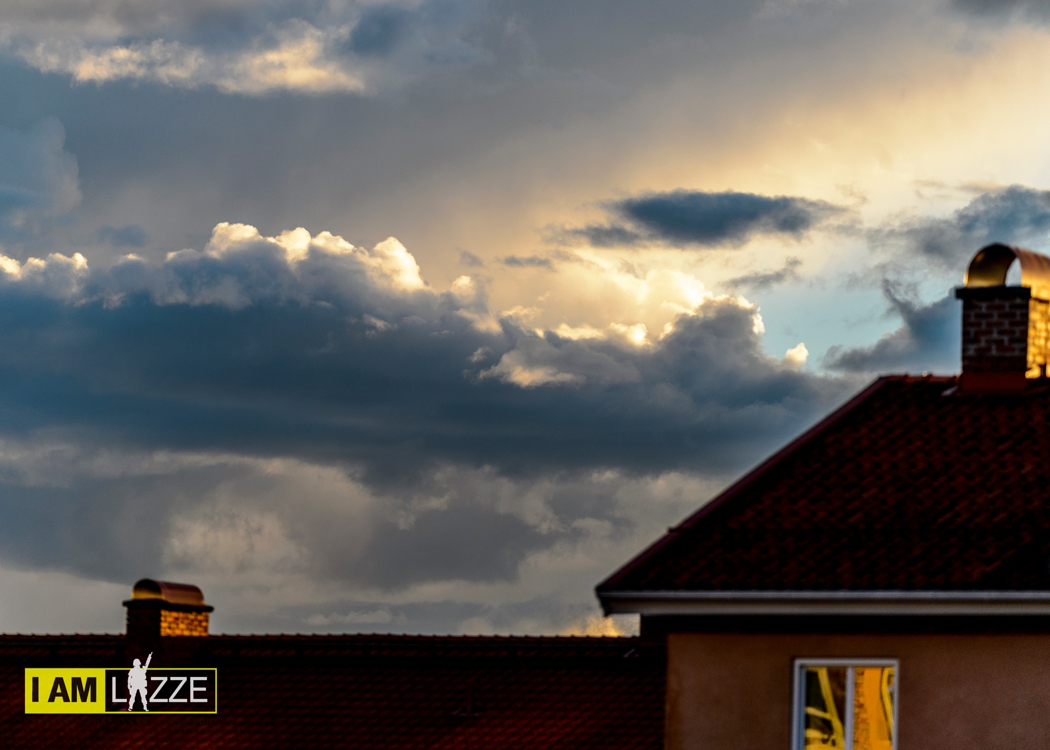 Over the rooftop by IAMLAZZE
