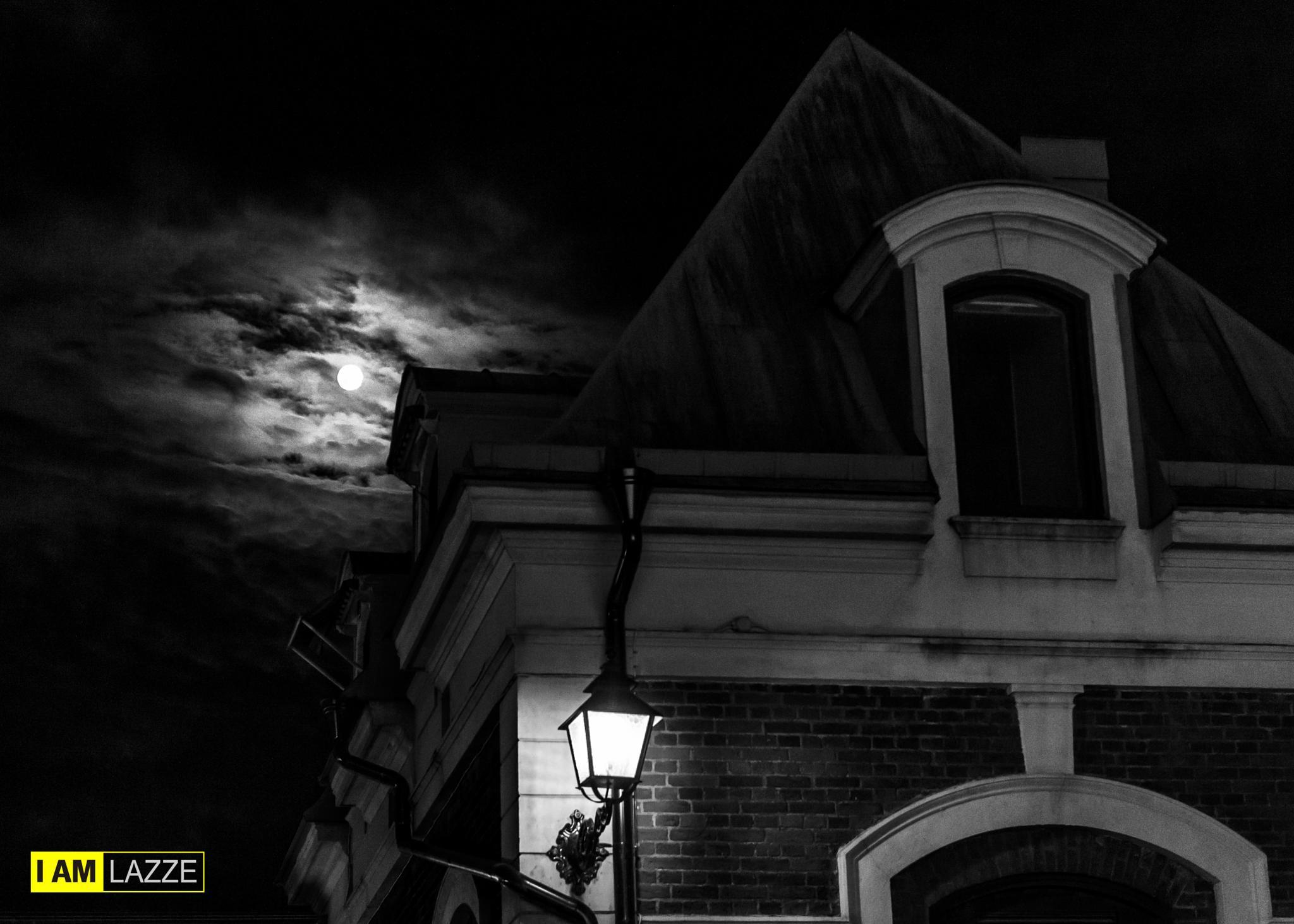 Under the moon by IAMLAZZE