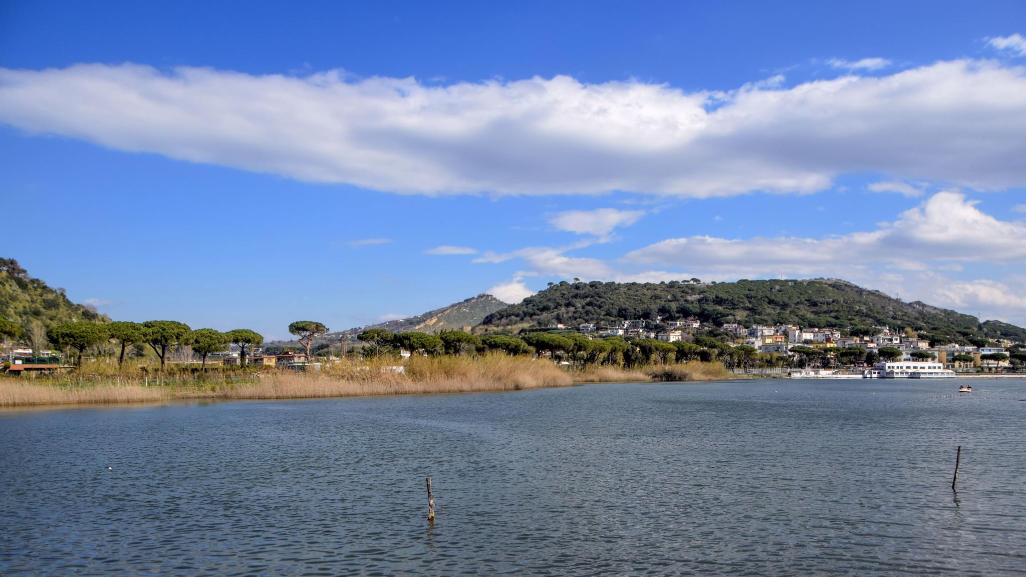 Lago di Lucrino by Bruna R.