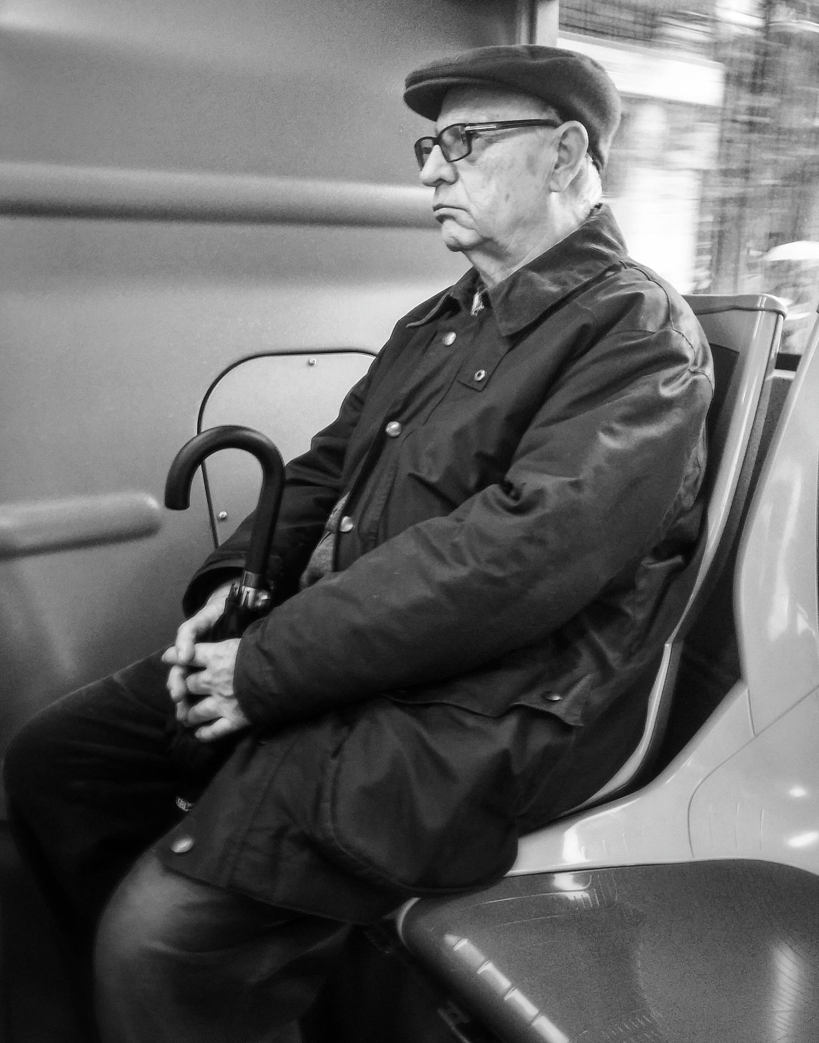 miradas en el bus... by enmafa
