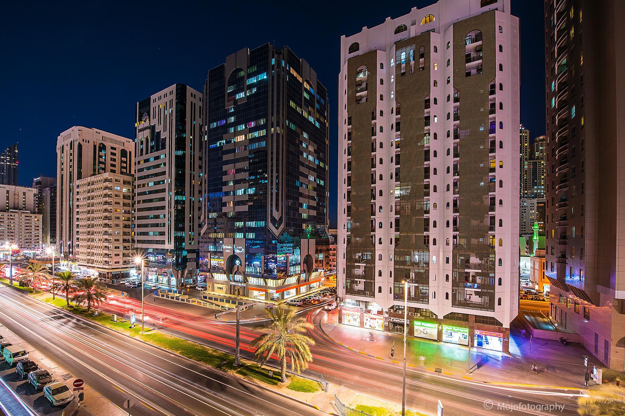 Busy Evening, Abu Dhabi, UAE  by Mojo