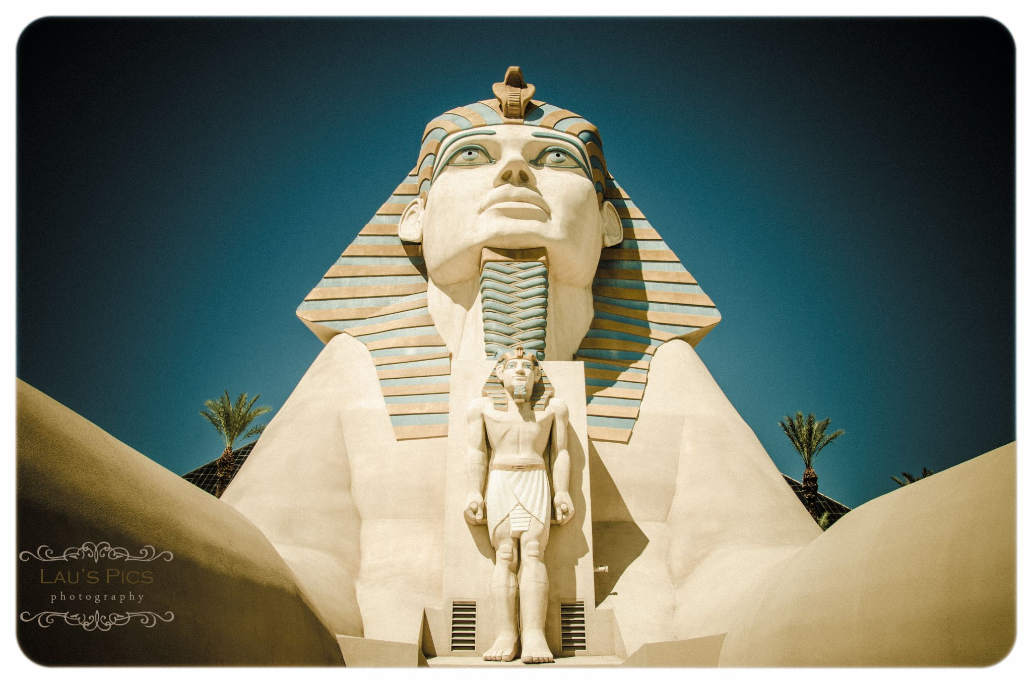 The Luxor  by lauspics