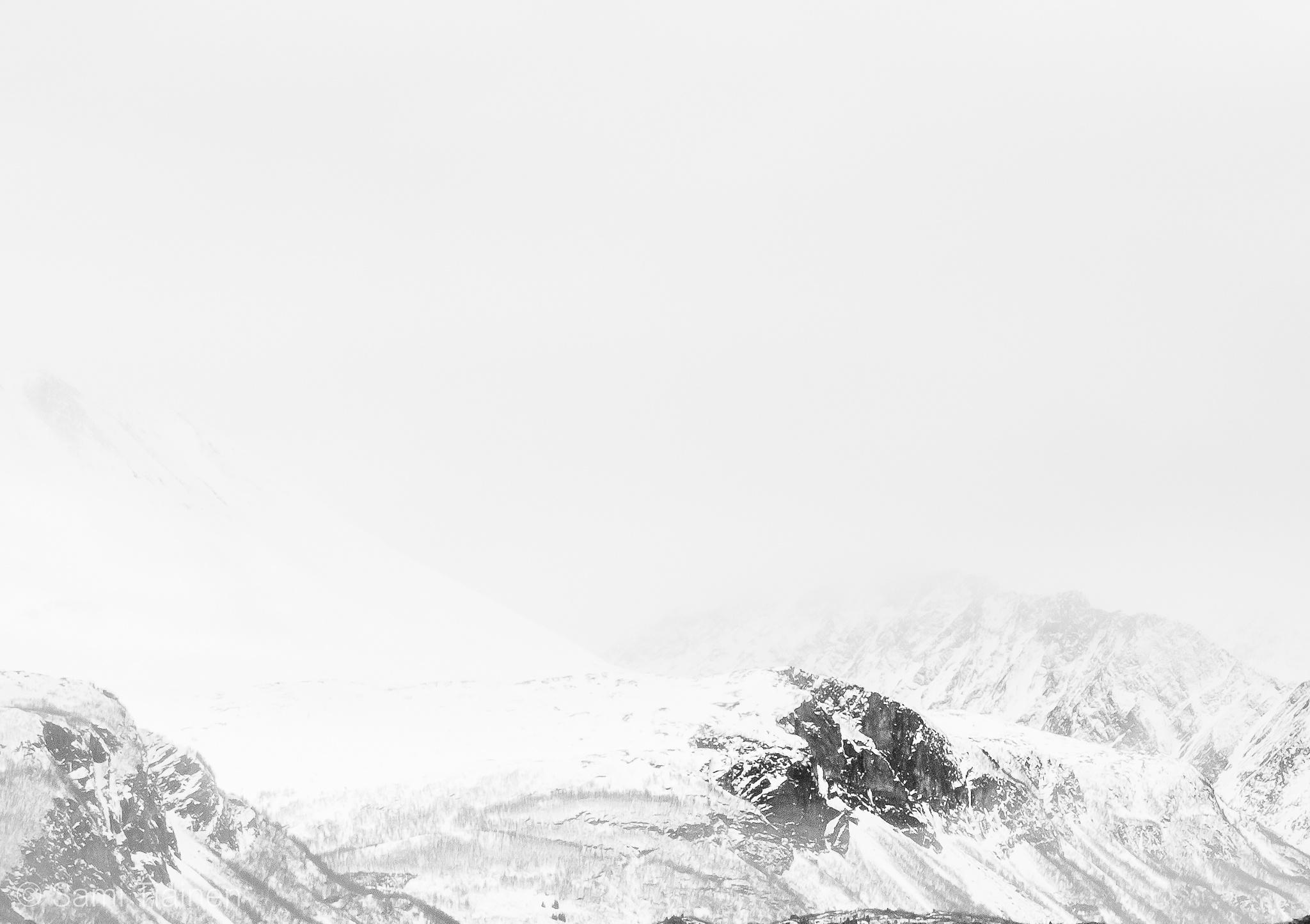 Mountains by Sami Tiainen
