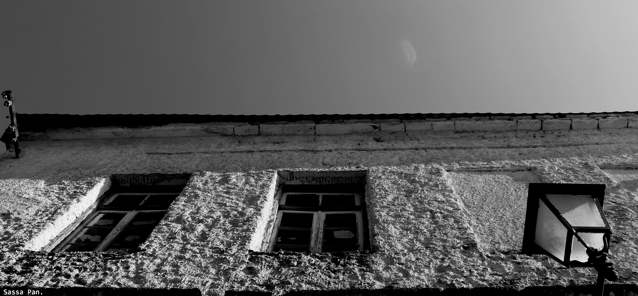 closed windows.. by sassa.pan