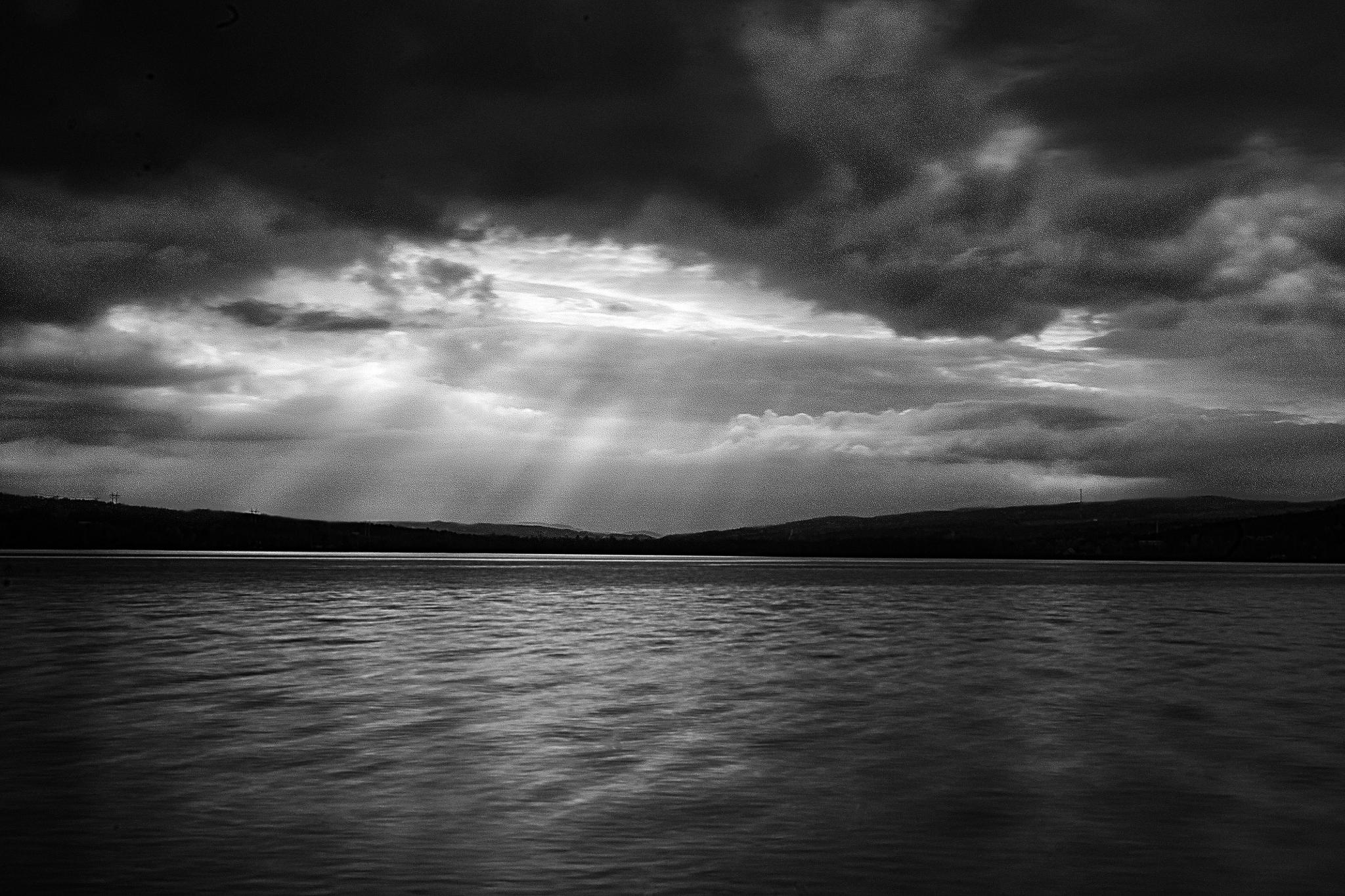 Rays of sun by Philippe Boite