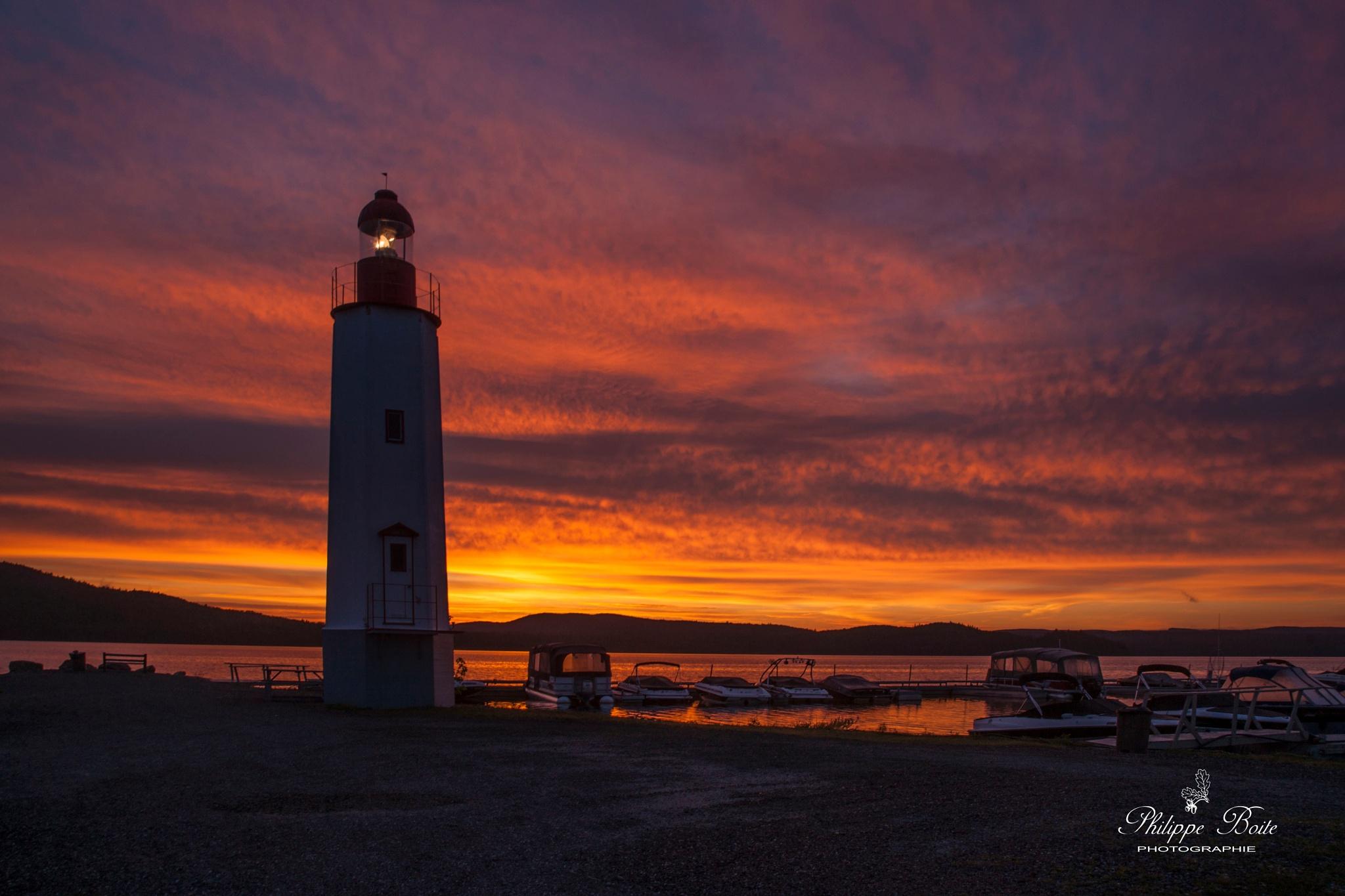 Sunrise on Cabano lighthouse by Philippe Boite