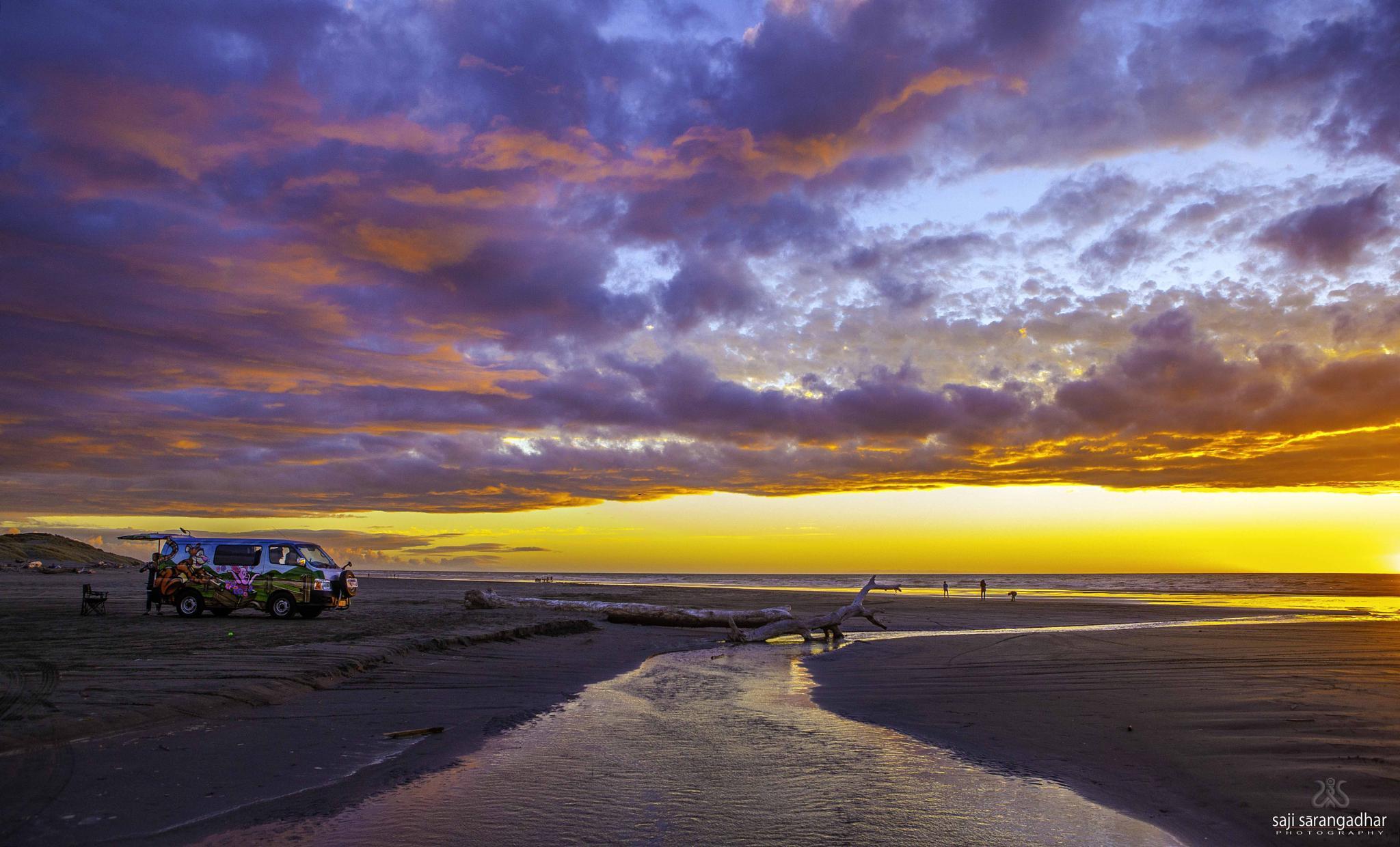 Himatangi Beach 1 by Saji Palluruthy