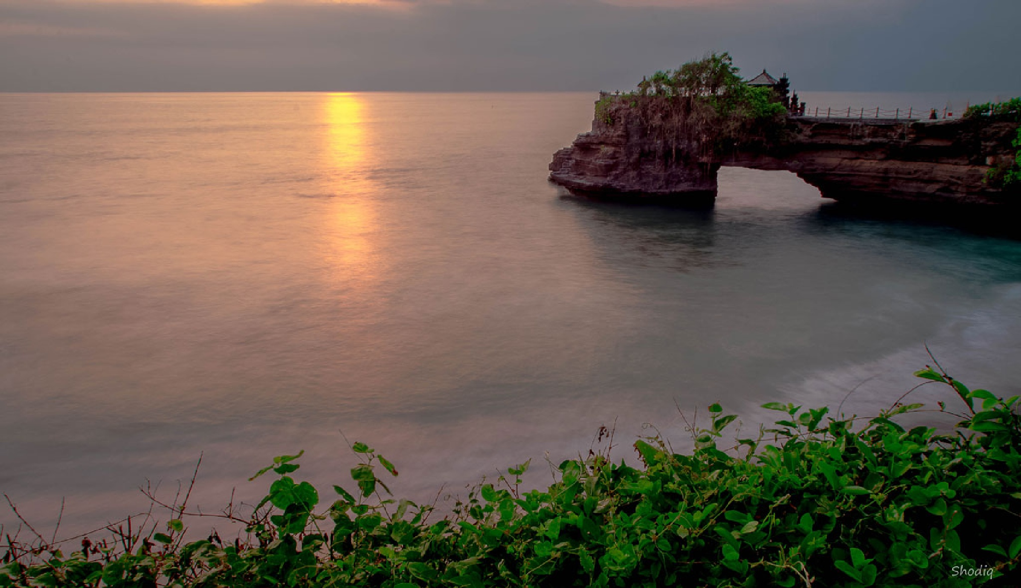 still in here in Tanah Lot, Bali by shodiq