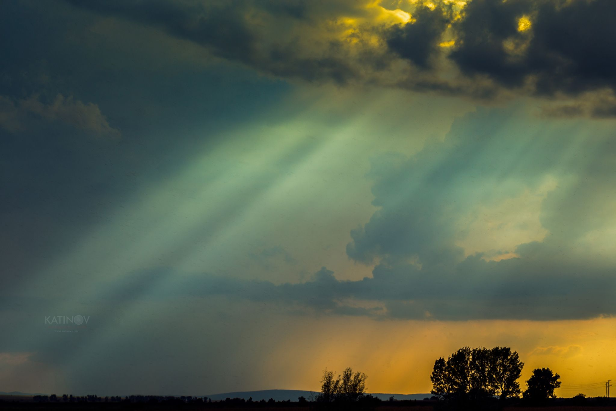 Sun rays by Stoyan Katinov