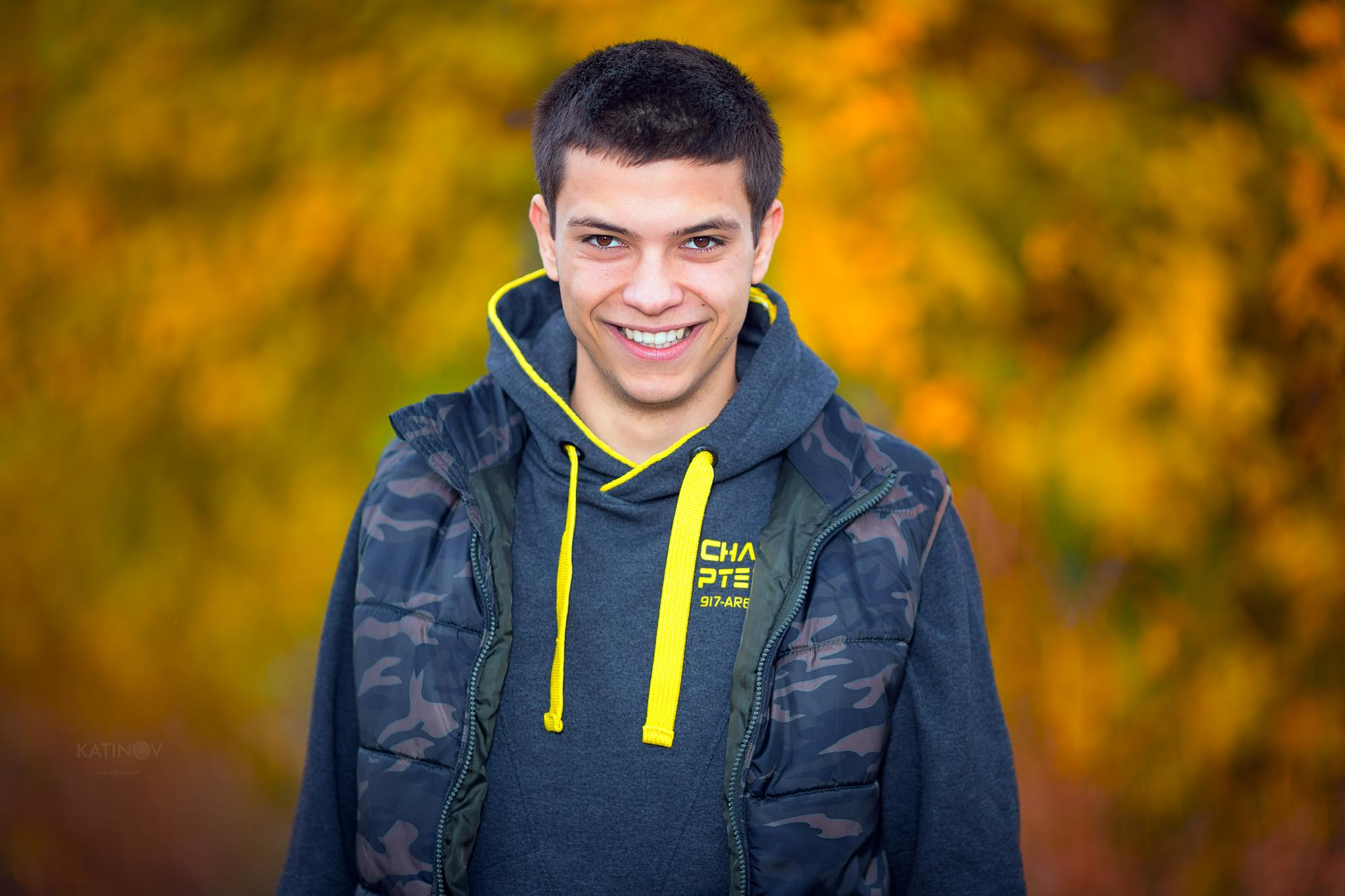 Handsome teenager portrait by Stoyan Katinov