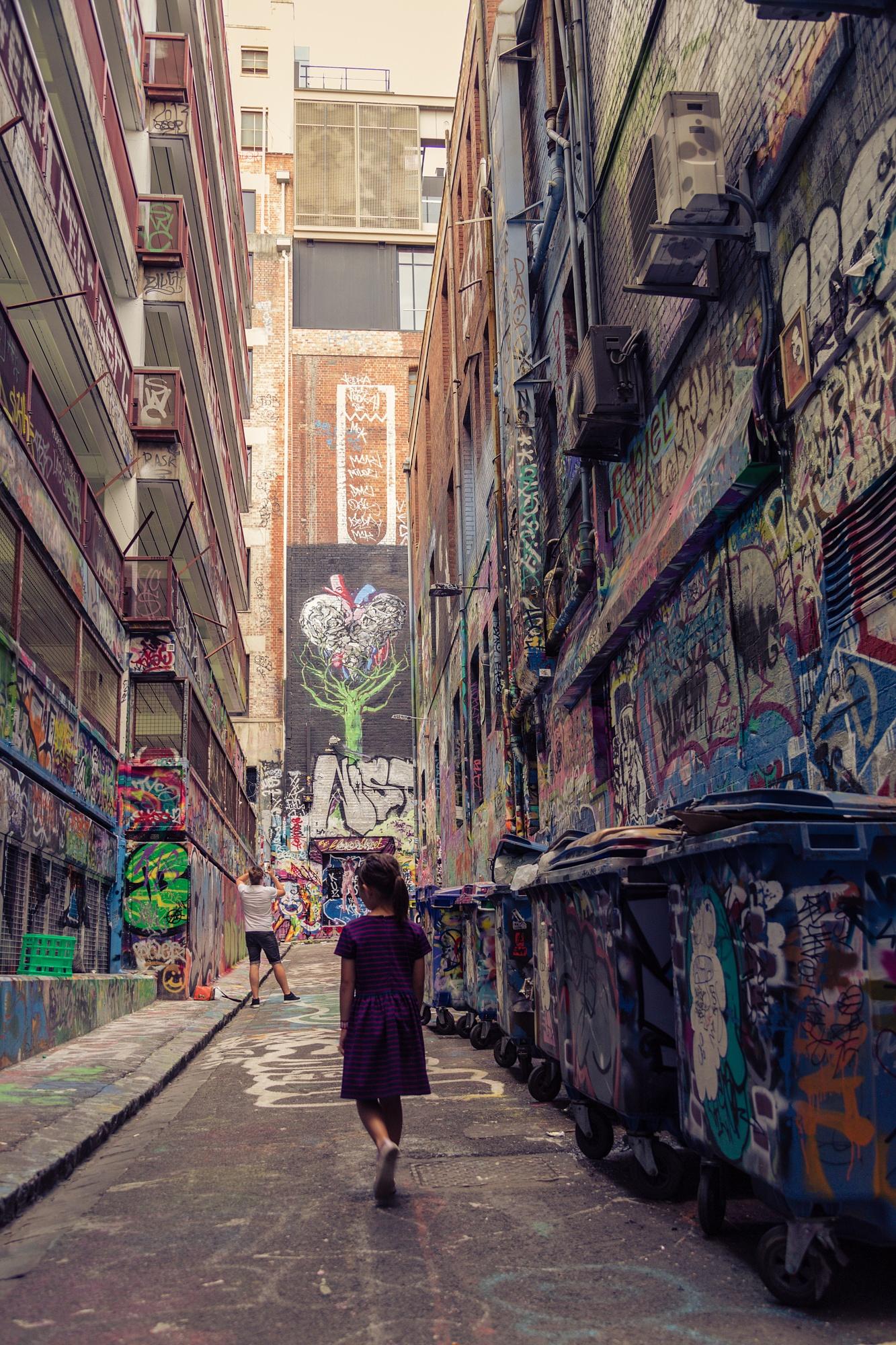 Graffiti lane by VeronicaSavitrie
