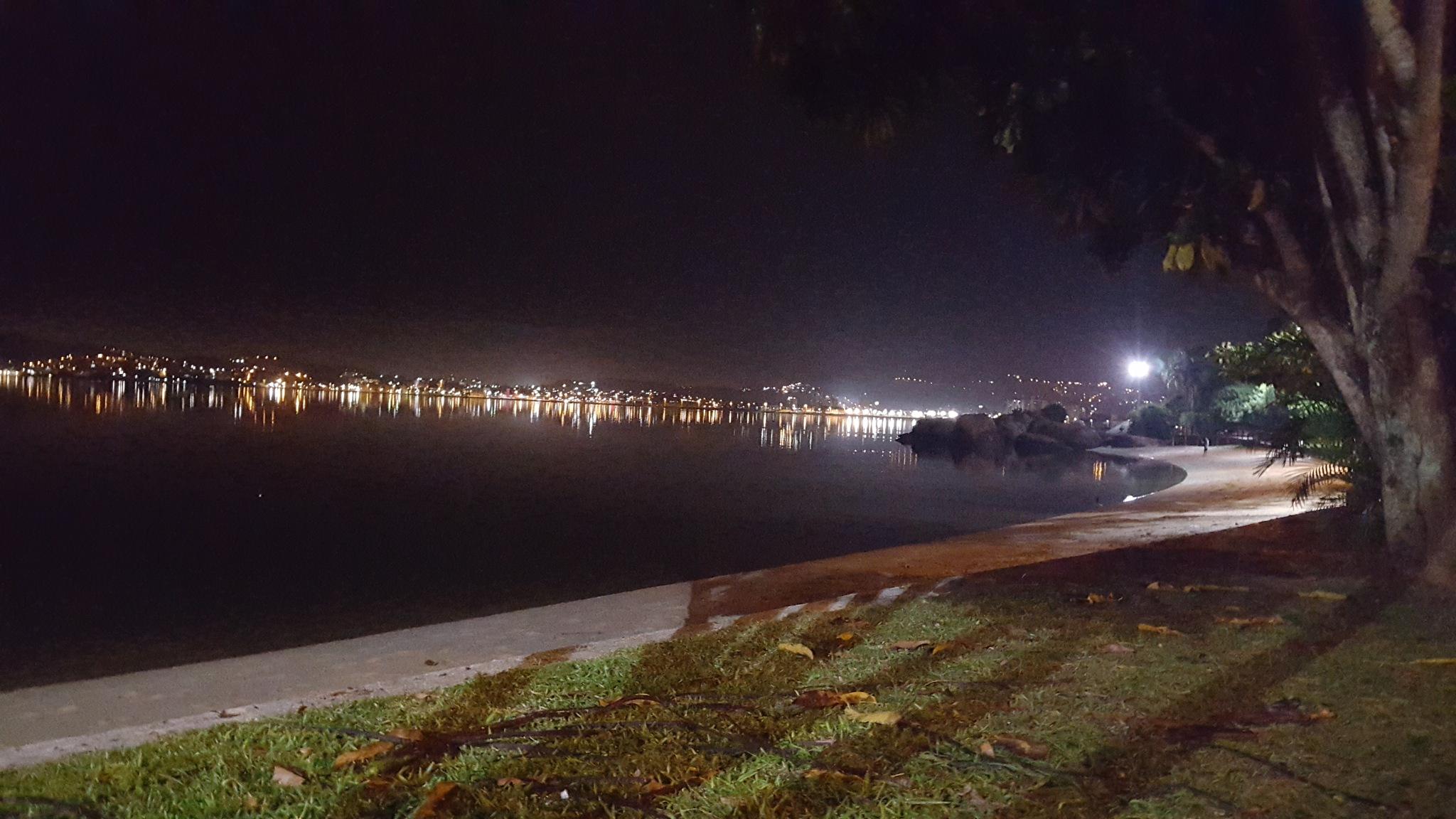 night yard by amokwa