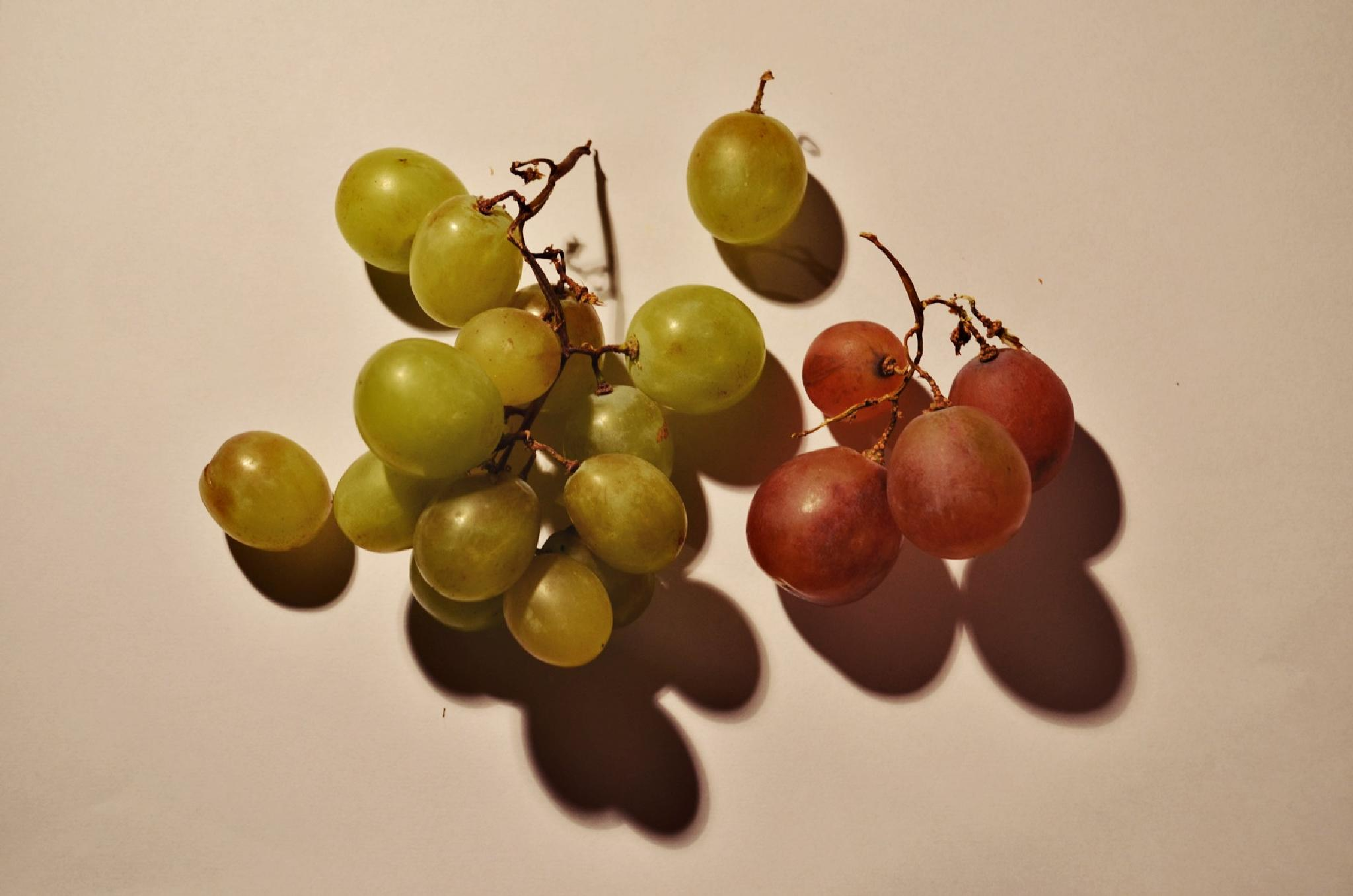Grapes by waaterproof