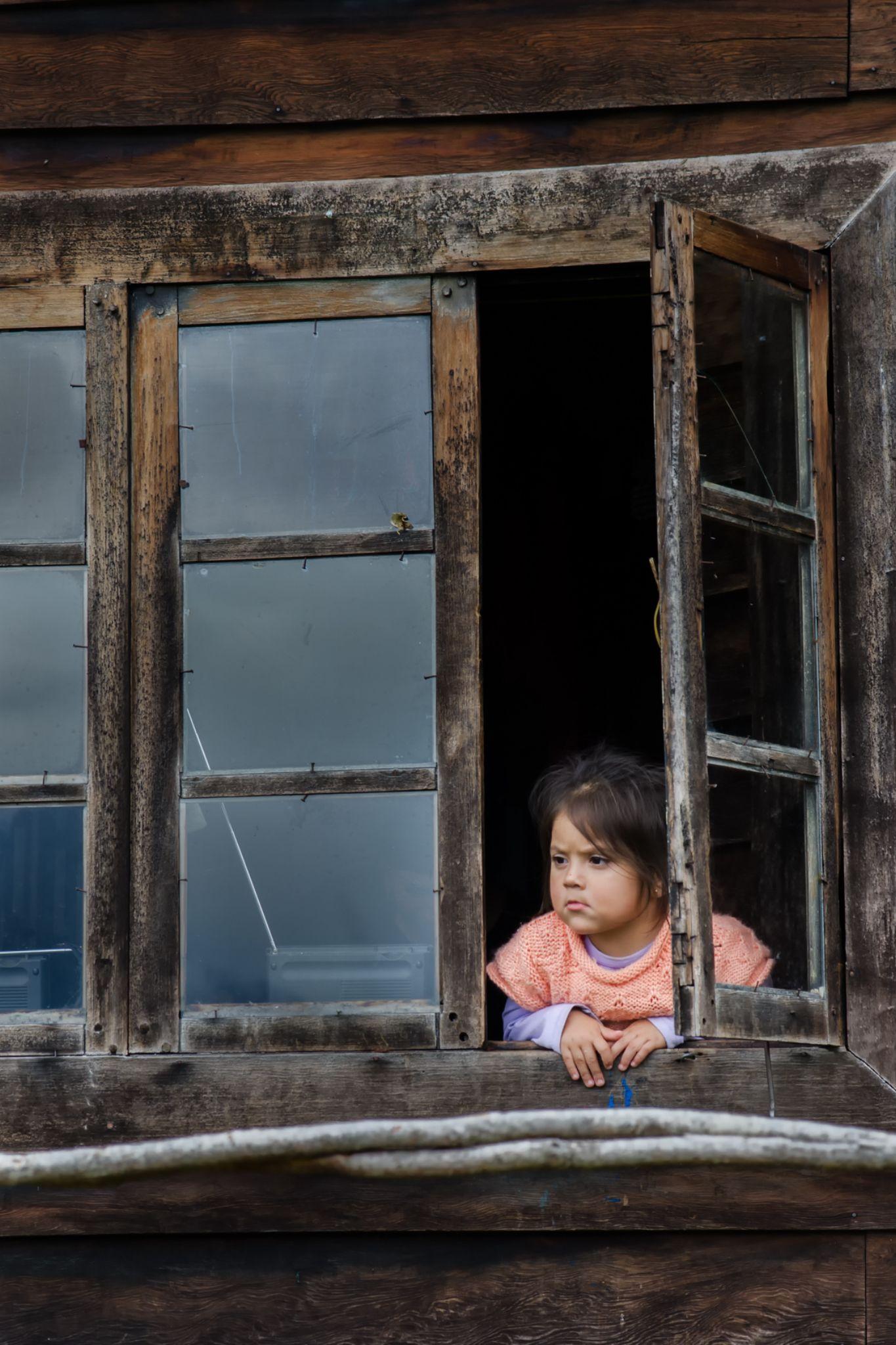 Desde su ventanta by Paolo