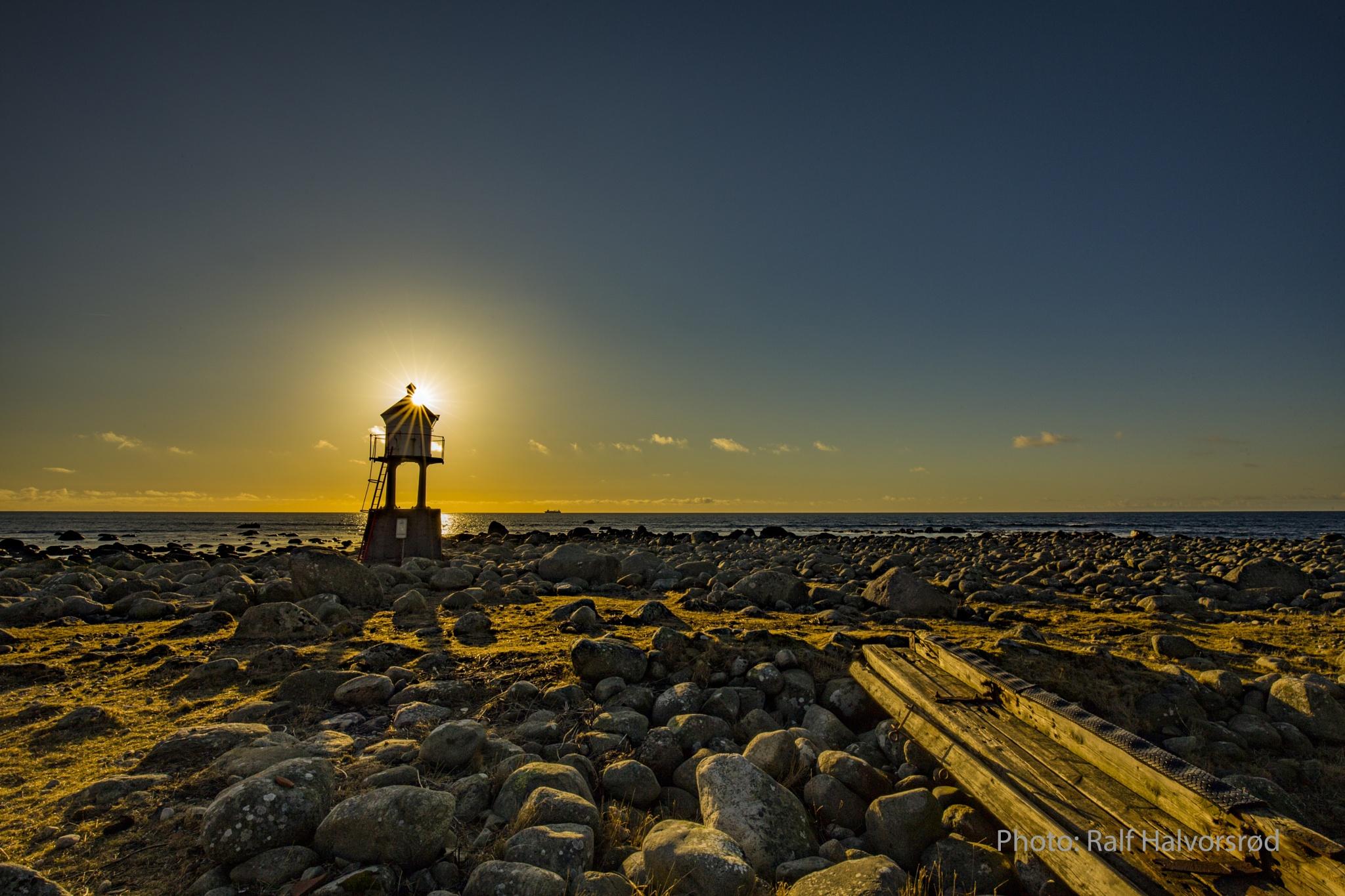 The lighthouse by Ralf Halvorsrød