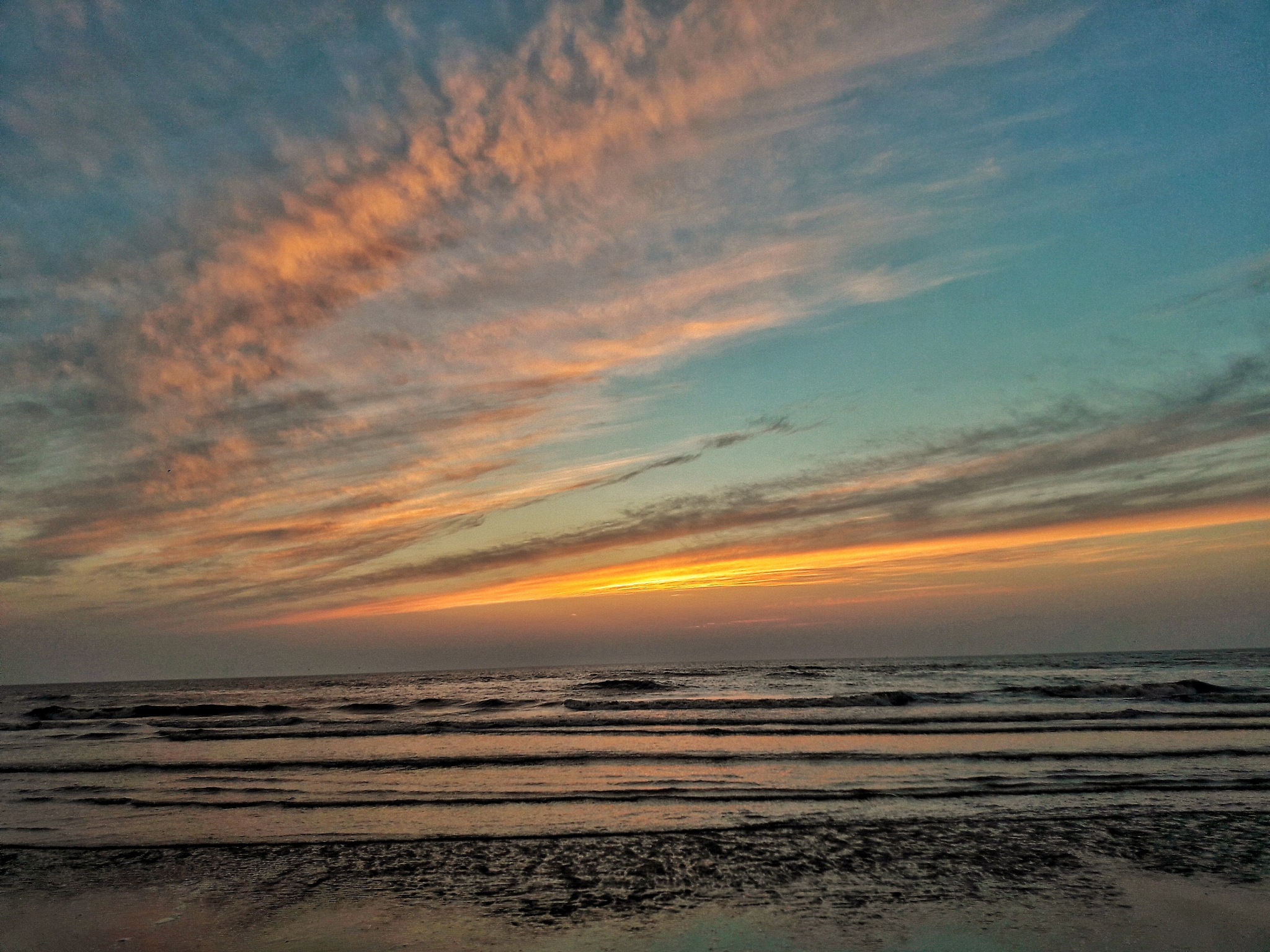 Tonight's sunset by Hero Tammes Buirs