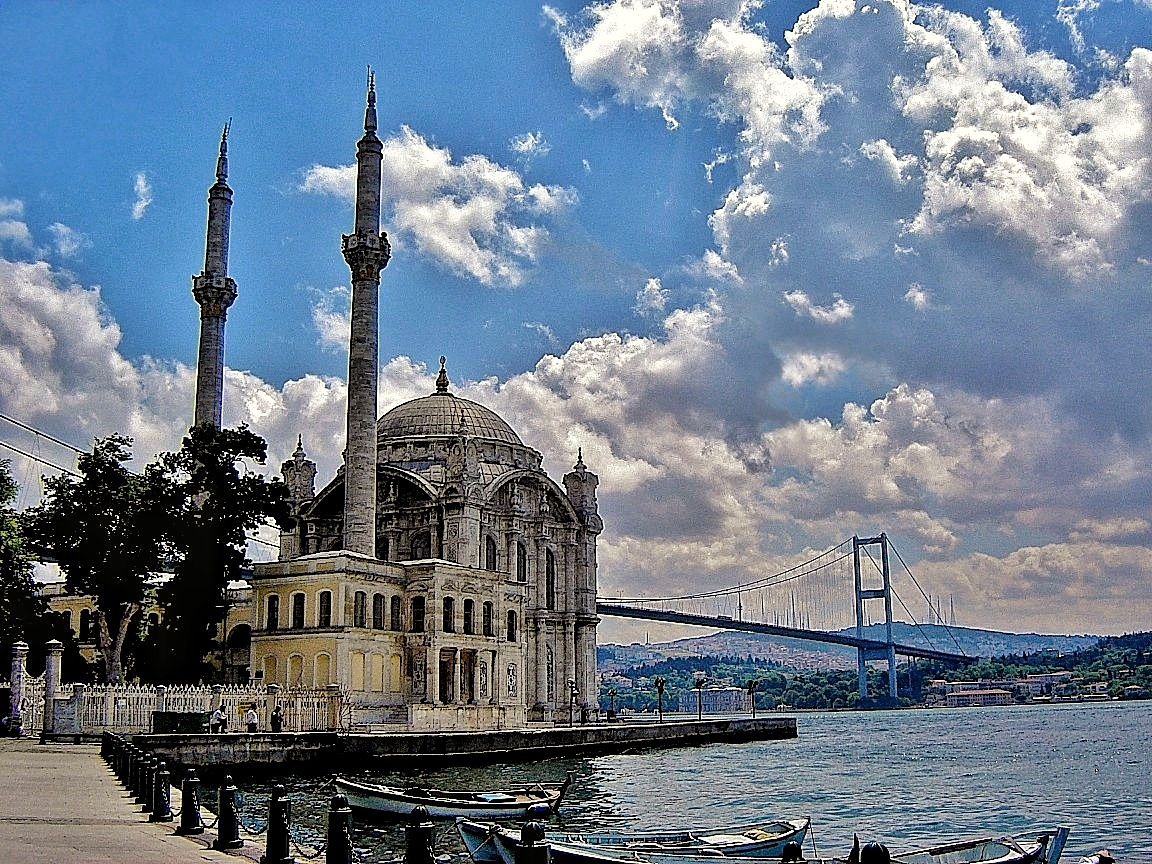 Istanbul by Hero Tammes Buirs