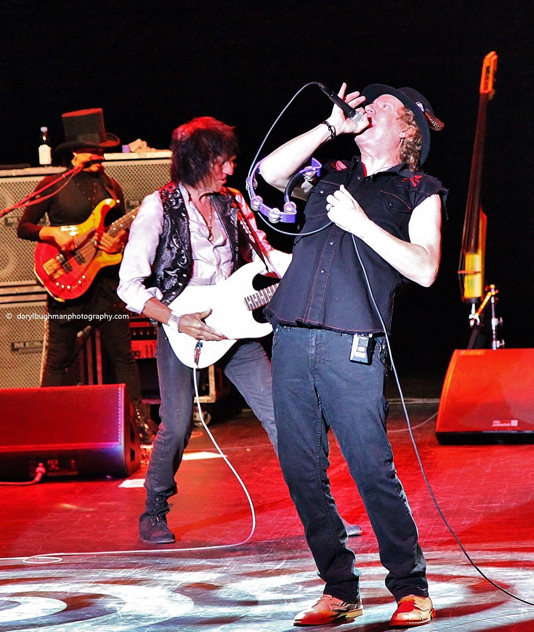 Jimmy Hall/Jeff Beck by daryl.bughman