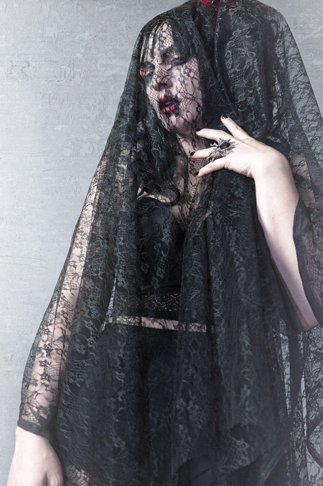 Black Widow by candiceghai