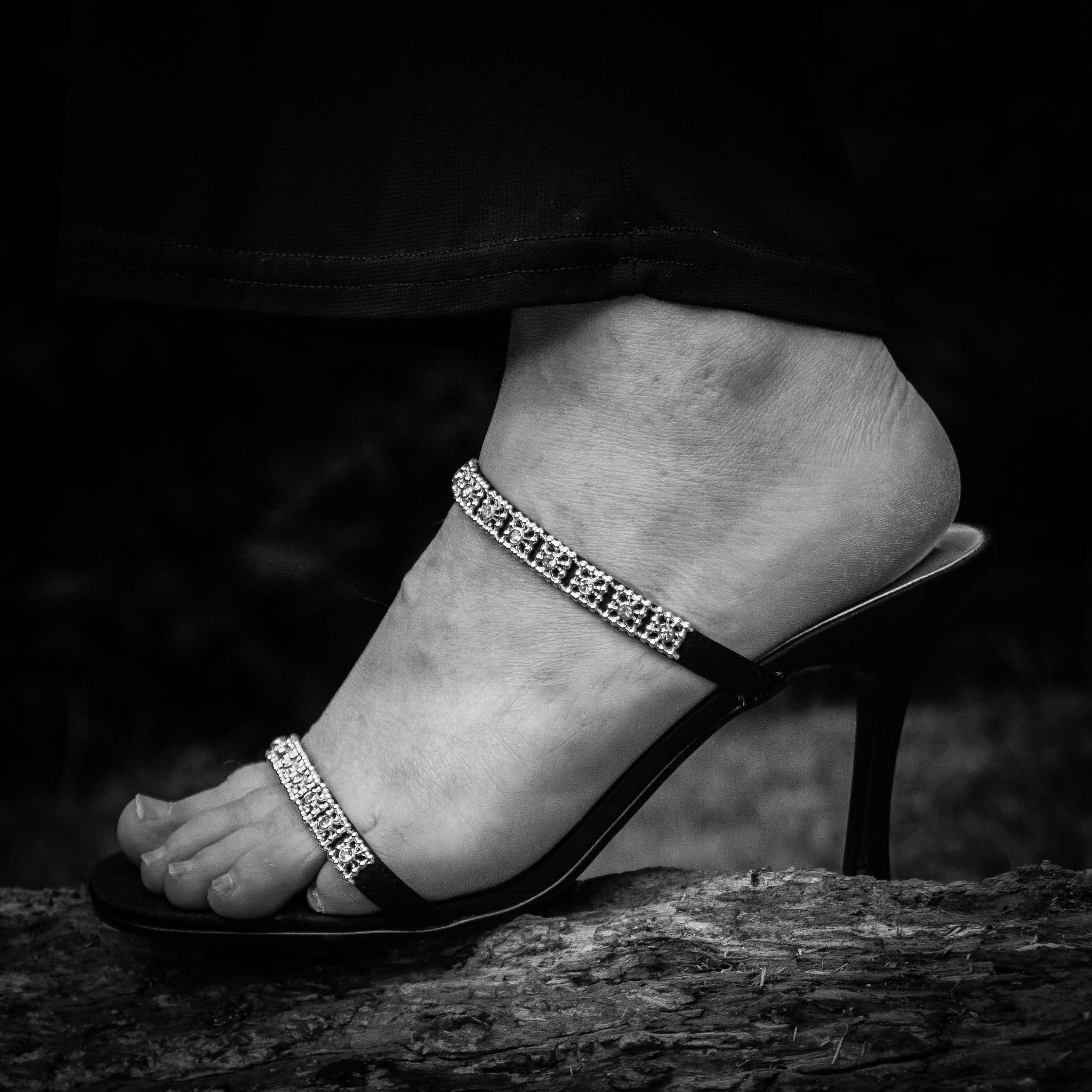 Stiletto  by wiblinderek