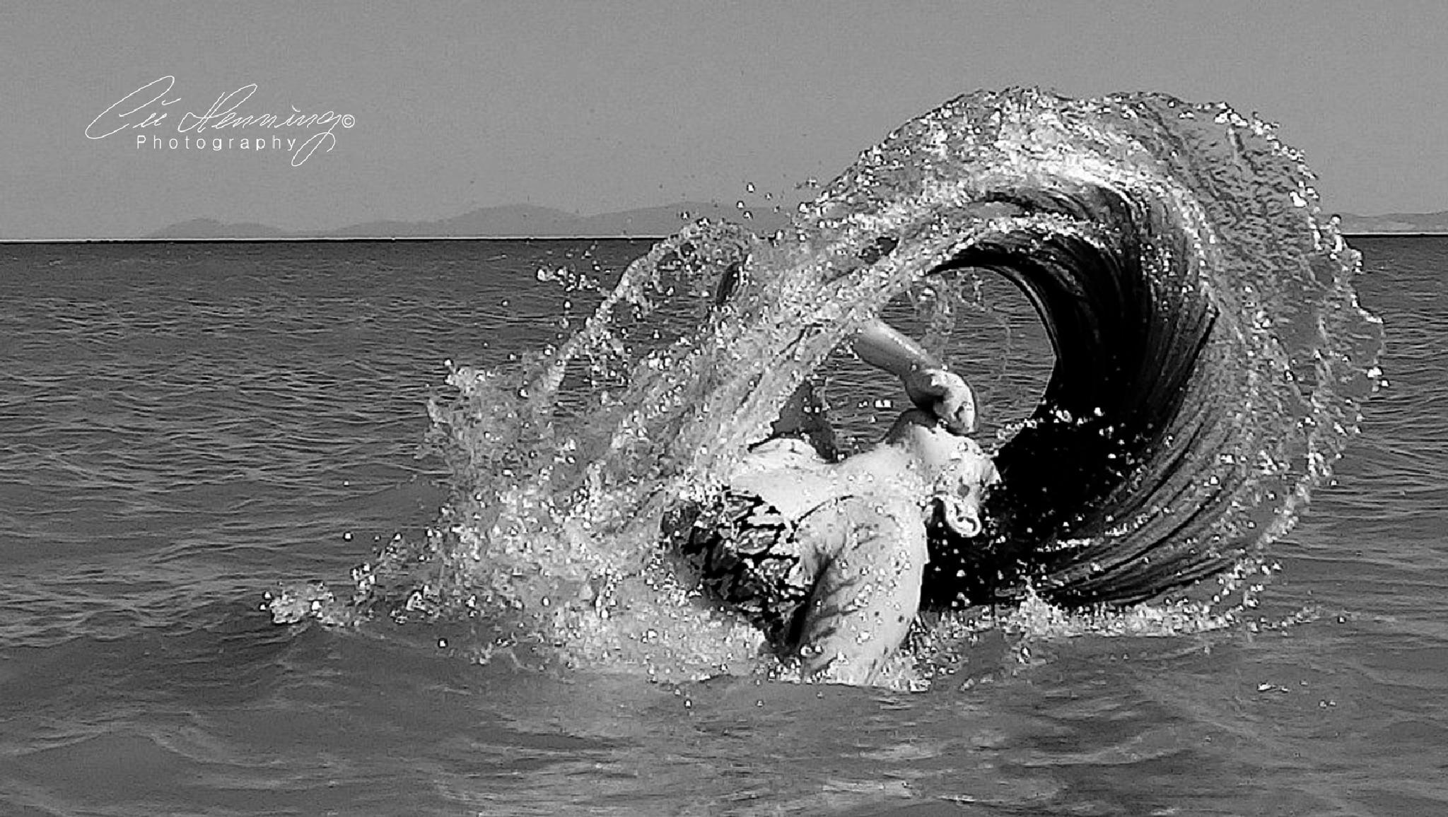 Splash II by Cüneyt Gakçı