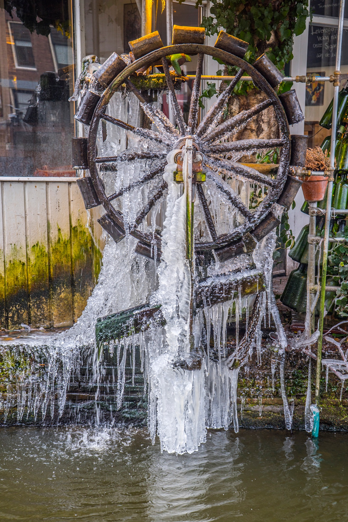 The frozen waterwheel by fred.leeflang.7