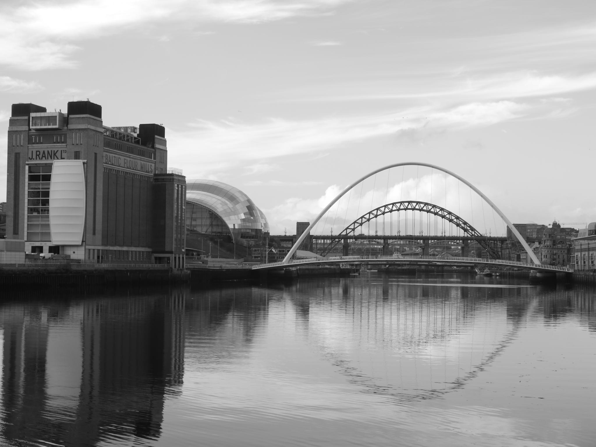 River Tyne by Darren Turner