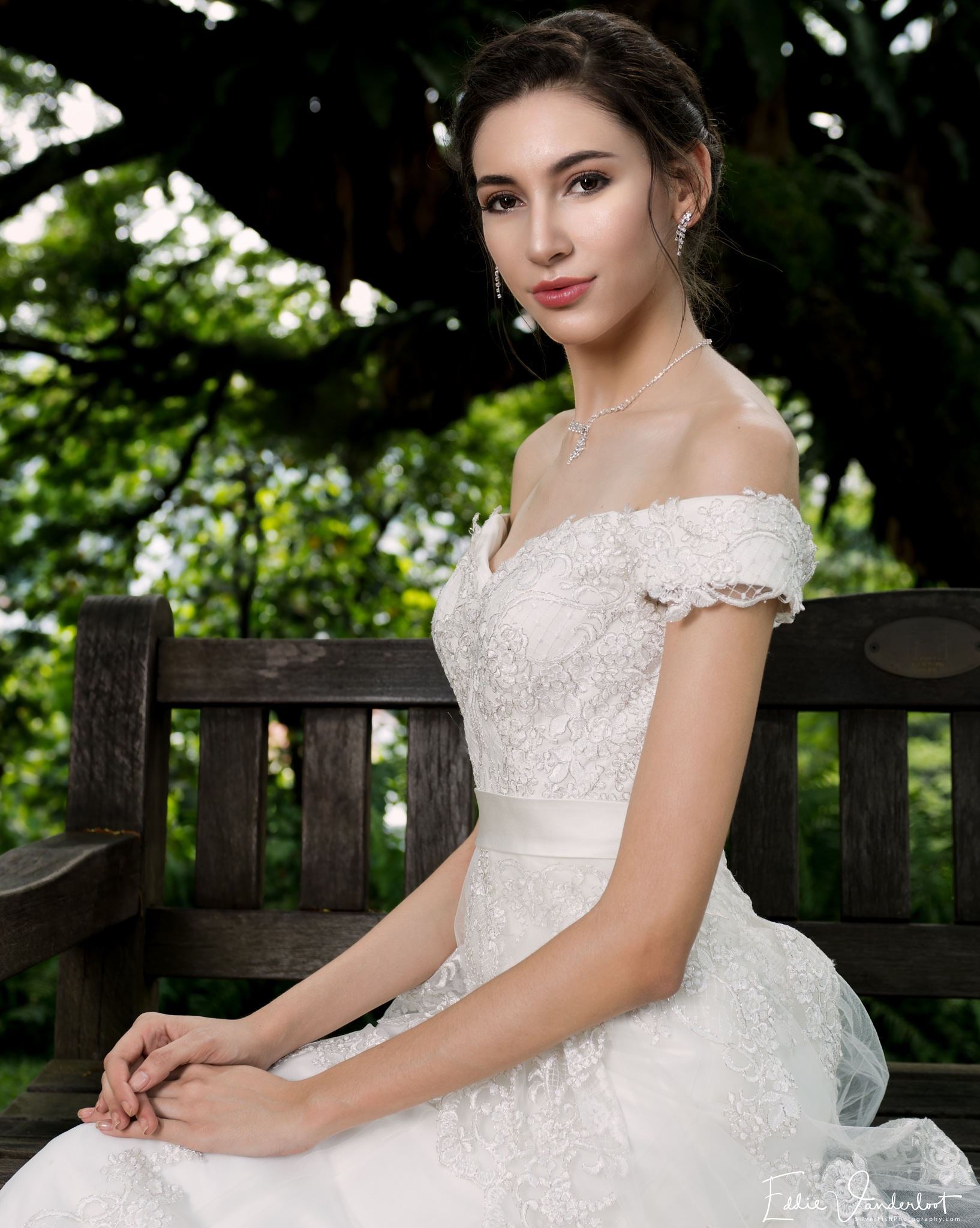 Beautiful bride with 1000 looks by Silverfish & Friends