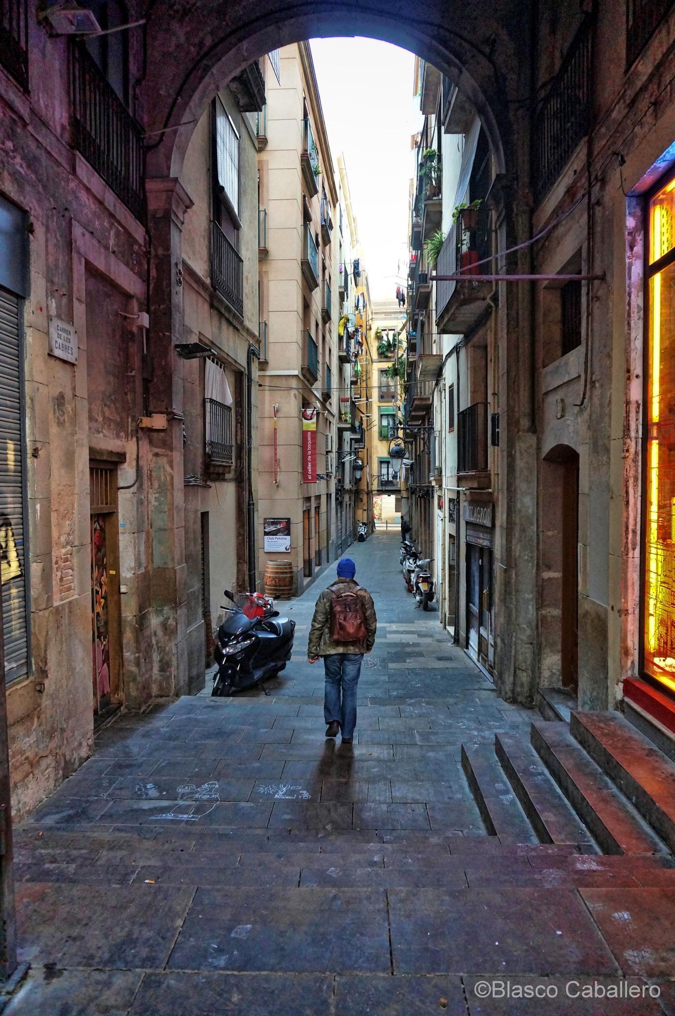Barcelona old town  by Blasco Caballero
