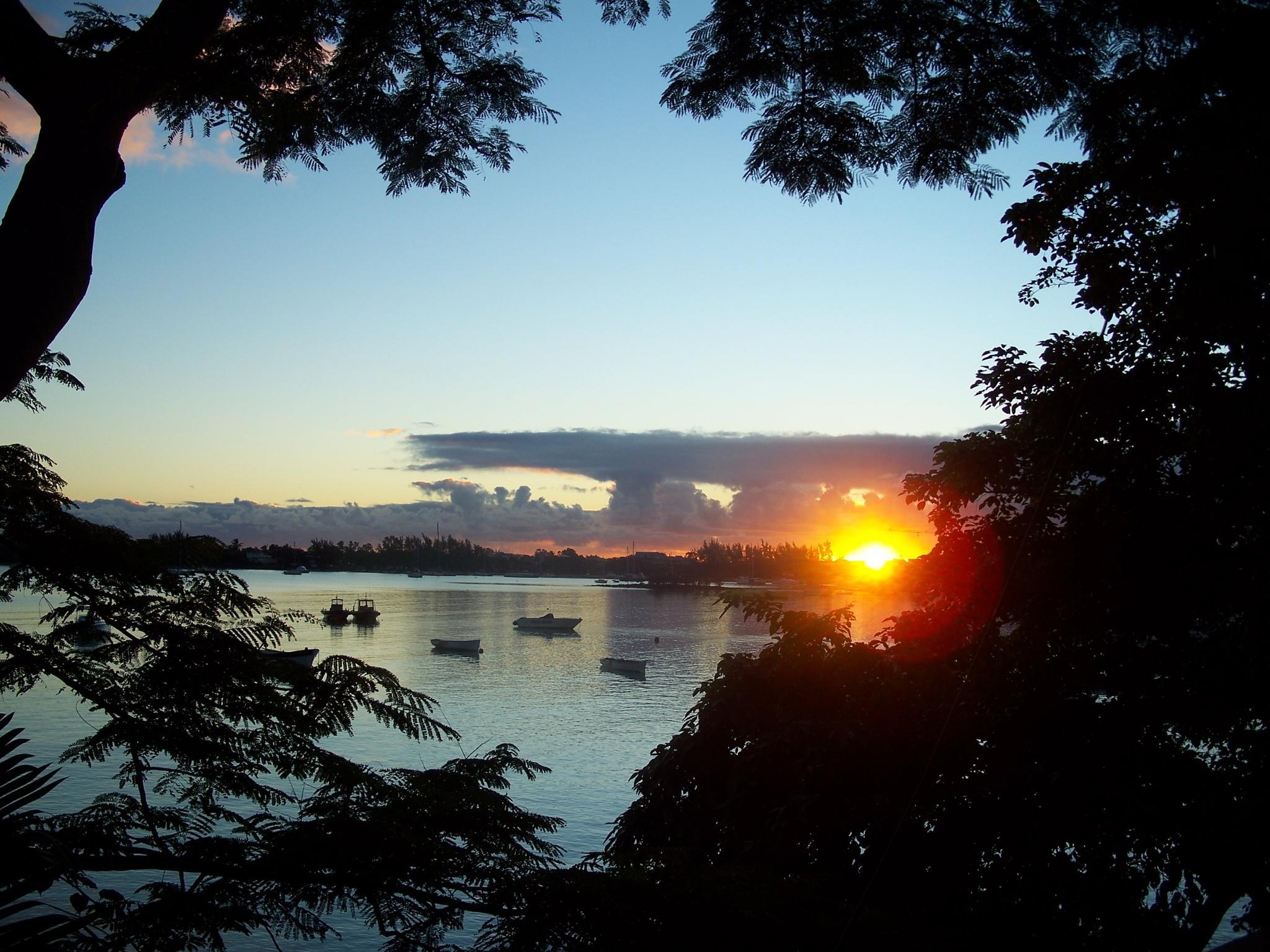 sunrise on mauritius by vagam0nda
