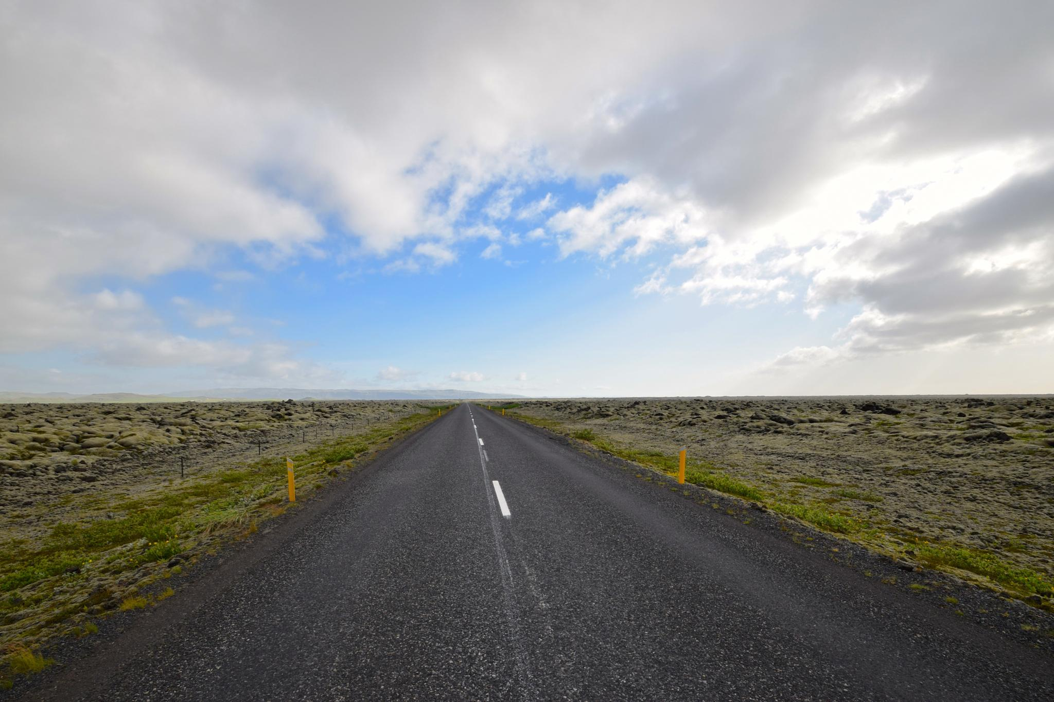 Vast quiet on Iceland's Ring Road by paavo33