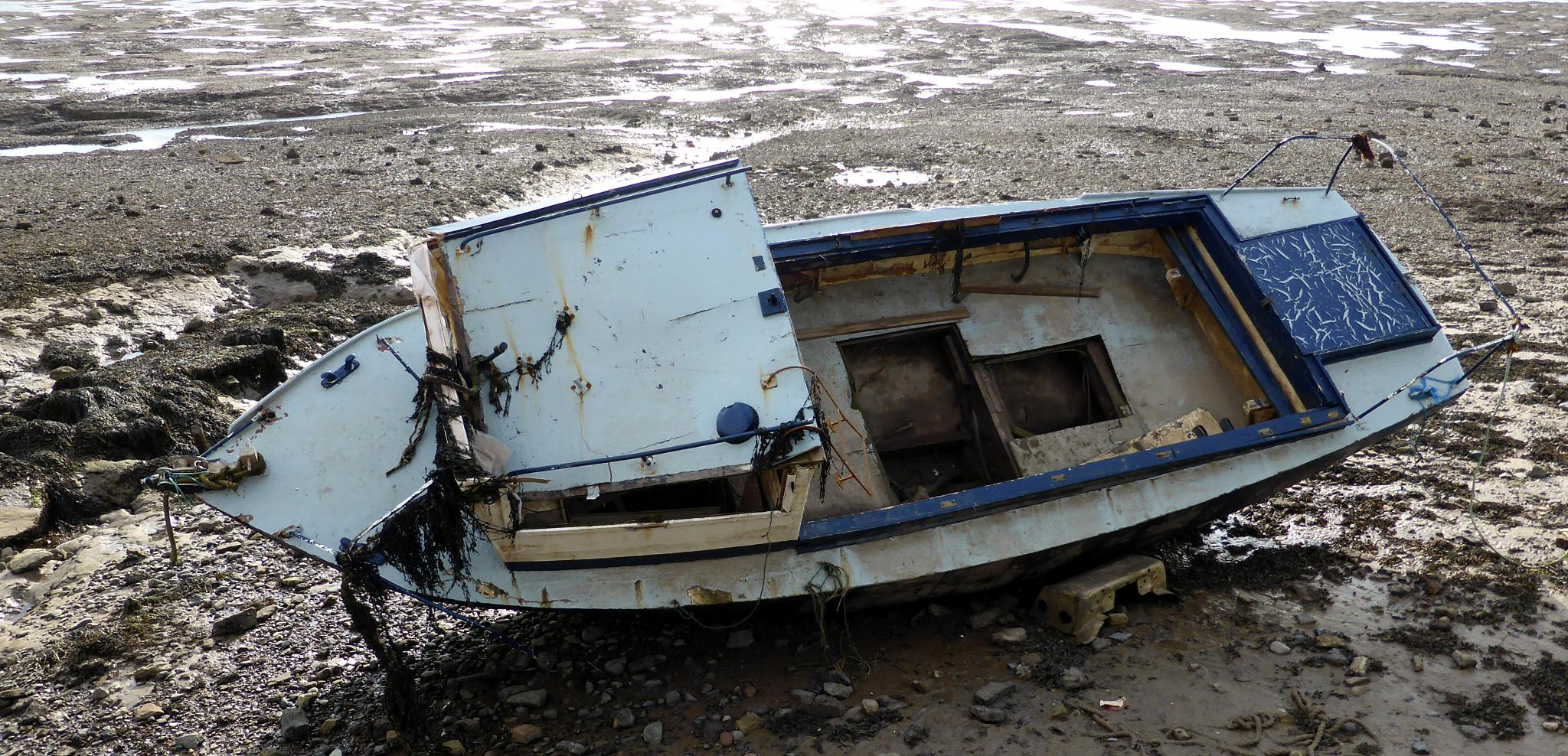 Photo in Sea and Sand #boat #wreck #island #lost