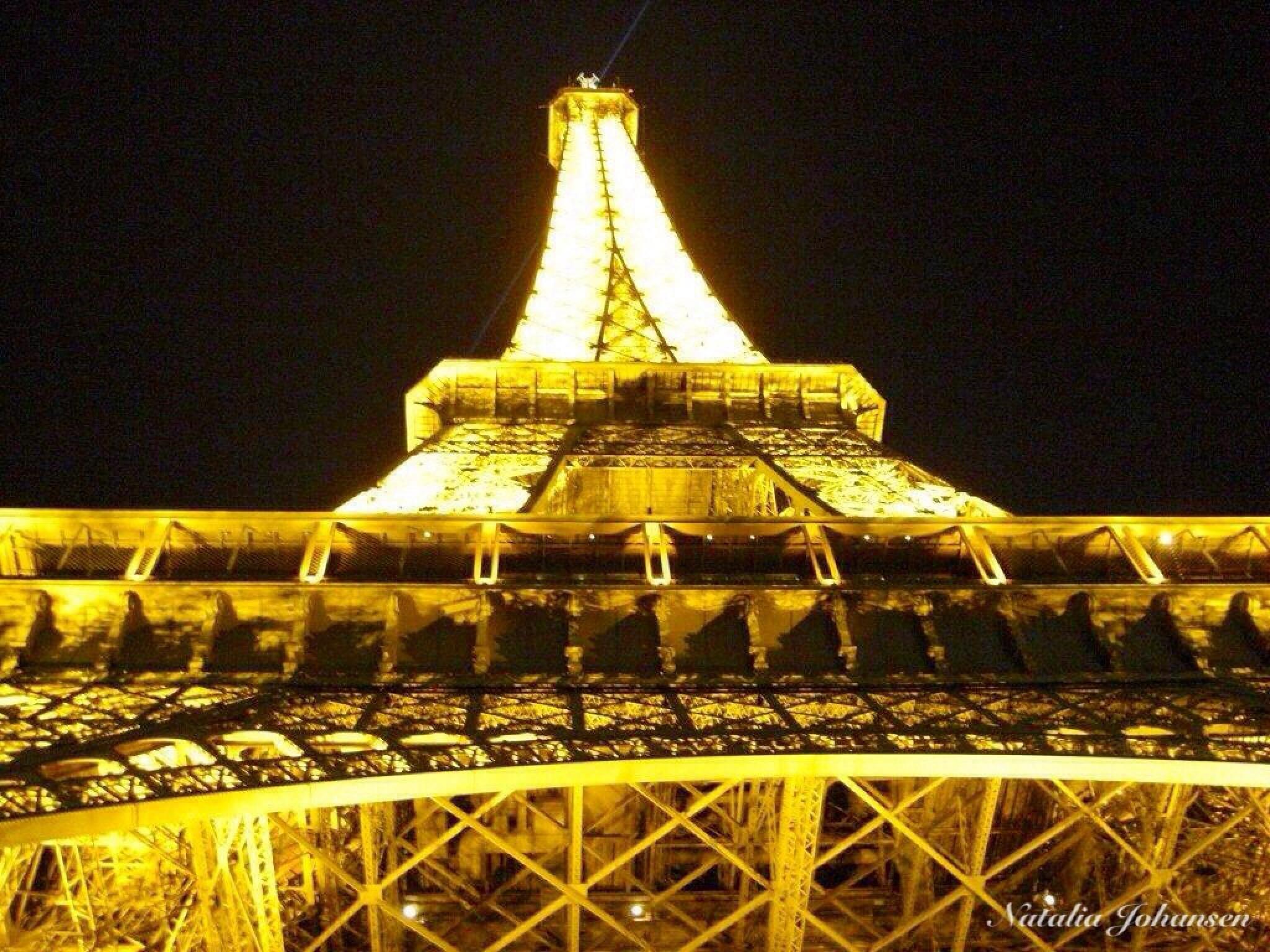 Paris. Eiffel Tower . by natalia.johansen.92