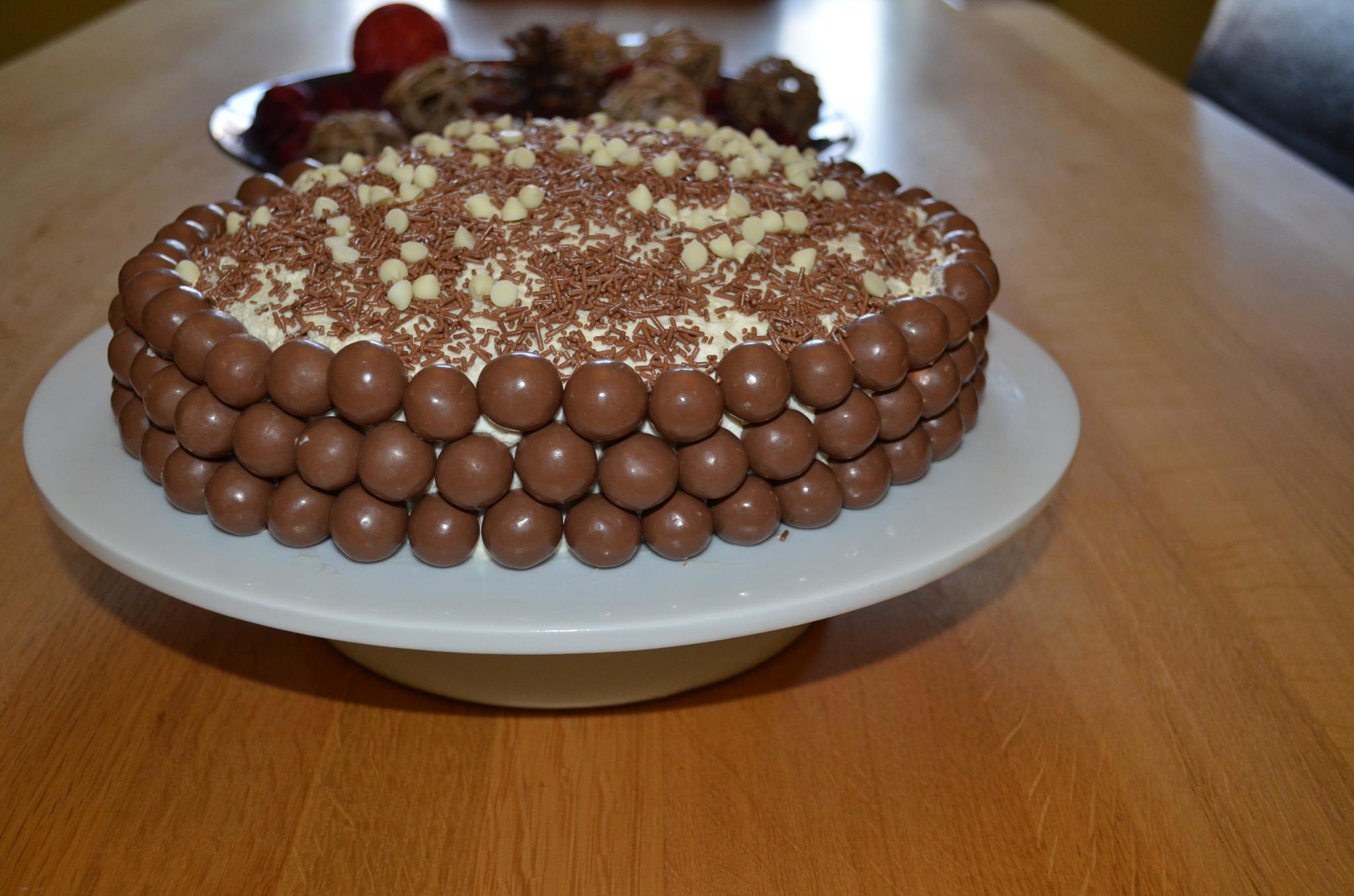 Cake for Easter by ksoar1