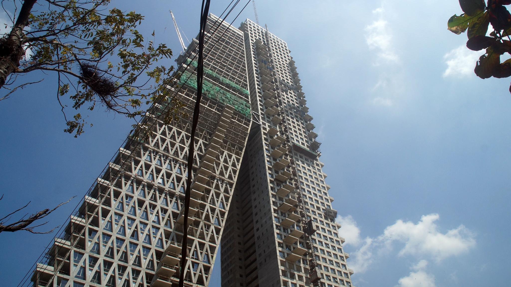 Skyscrape in progress, Colombo, Sri Lanka 2018 by lars.erlandsson.9