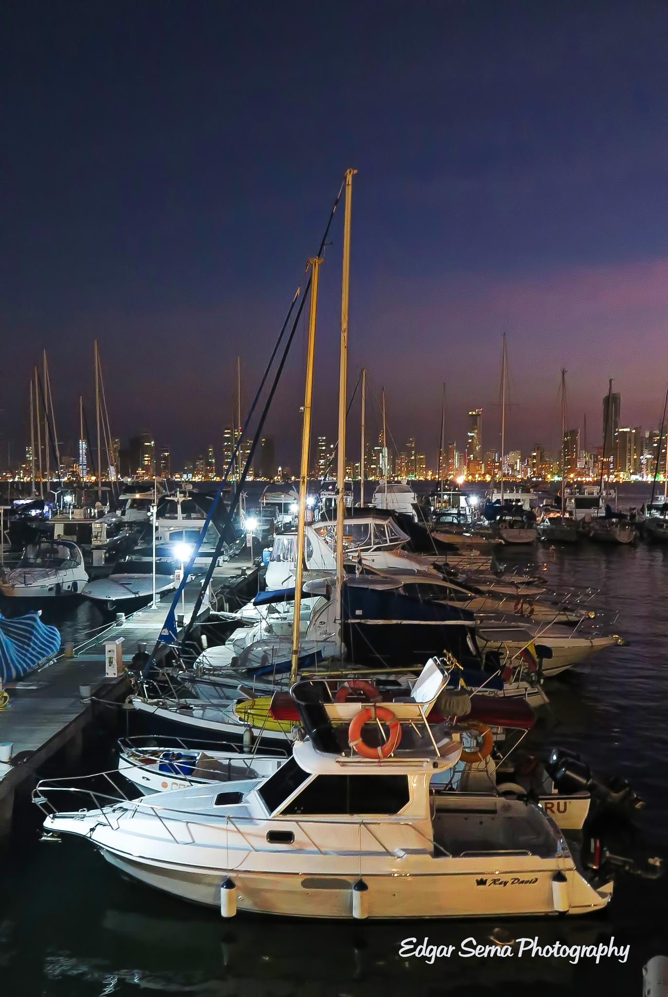Cartagena de Indias by Edgar Serna