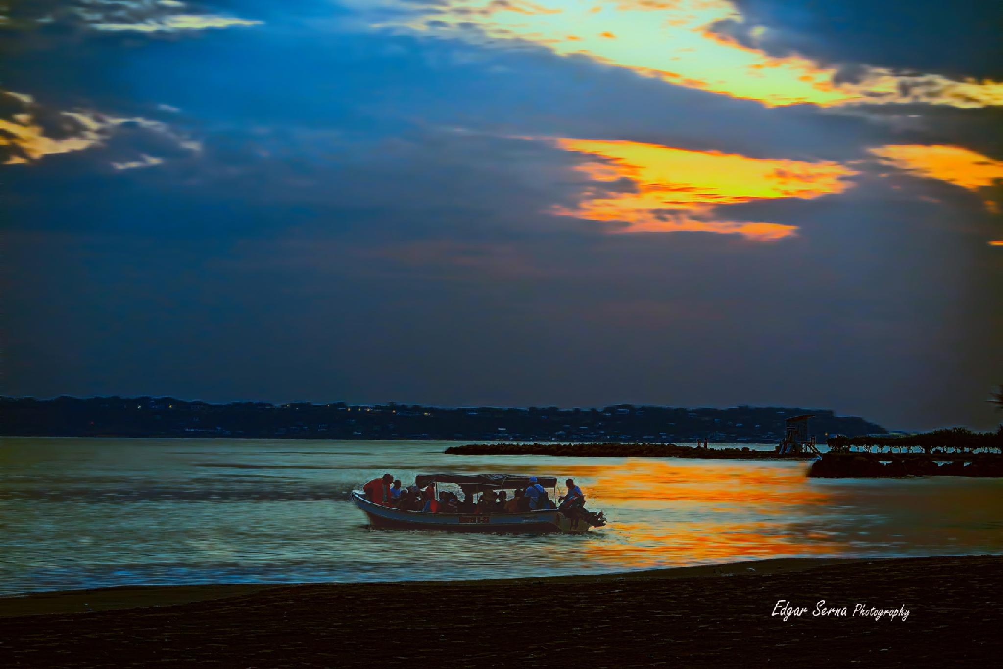 Sundown by Edgar Serna