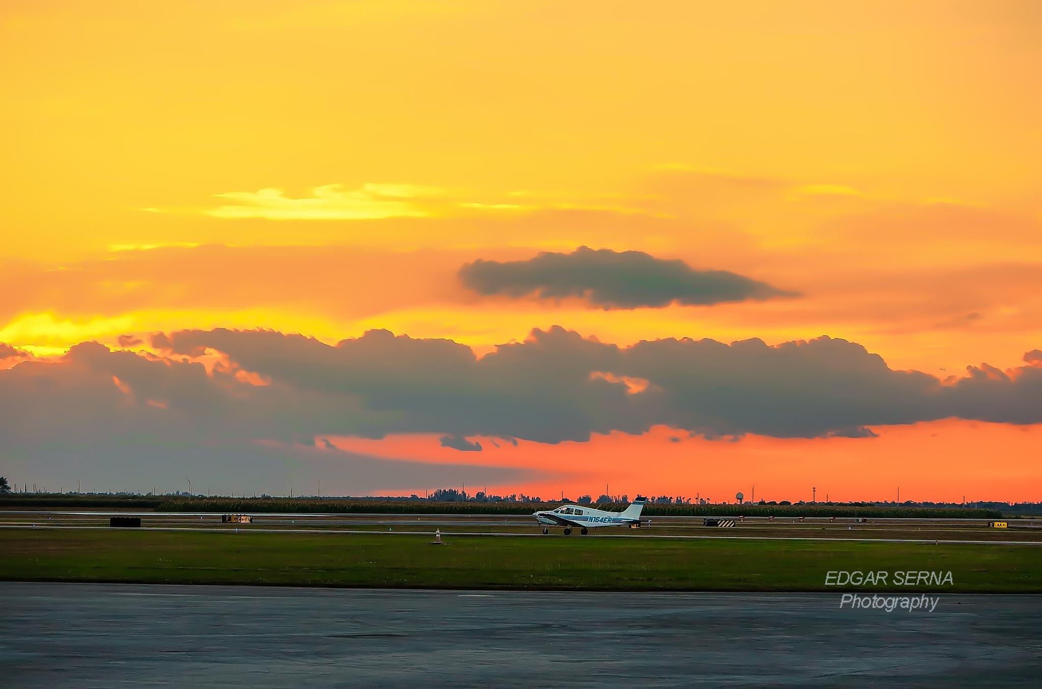 Landing almost at night by Edgar Serna