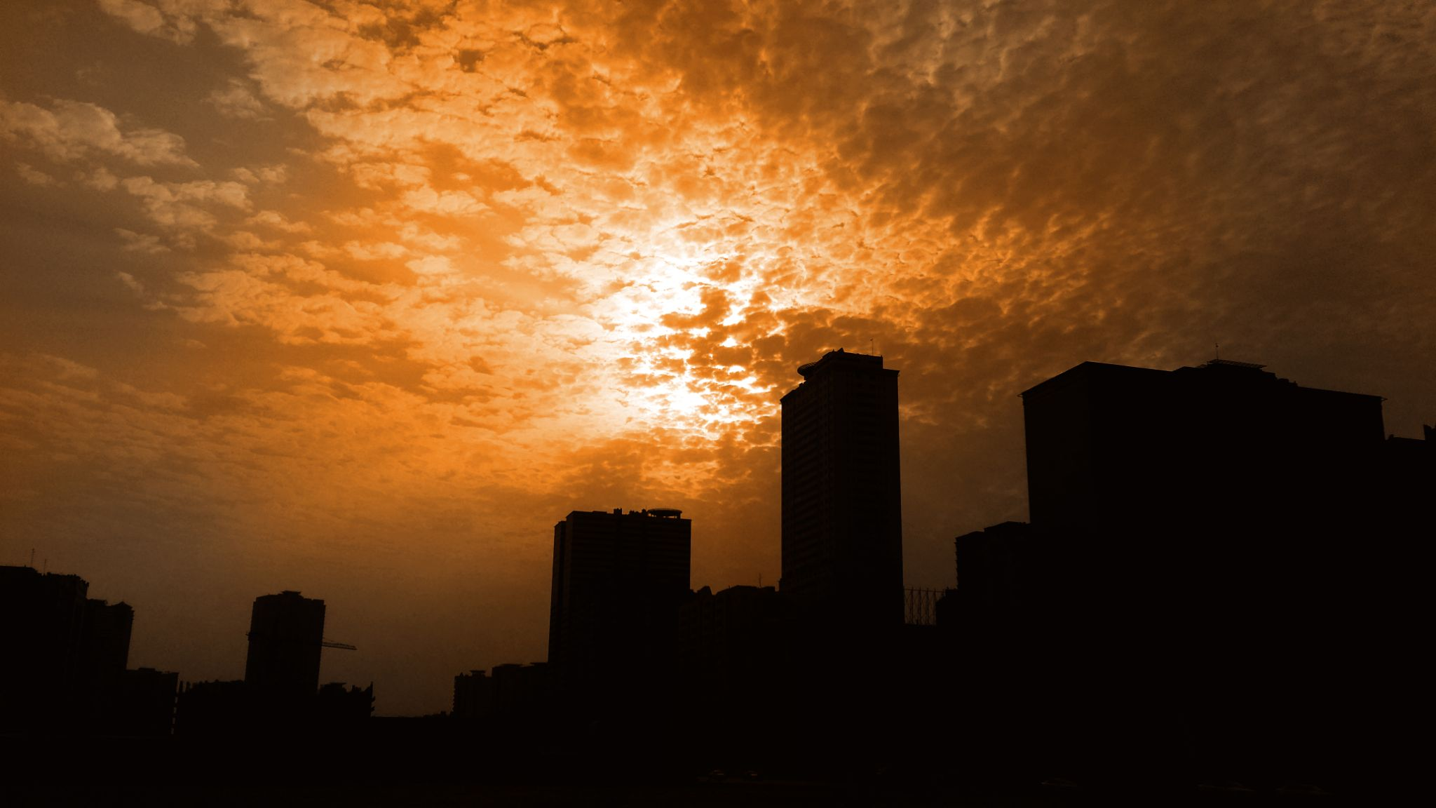 A cloudy sunny morning :) by Monty Clicks