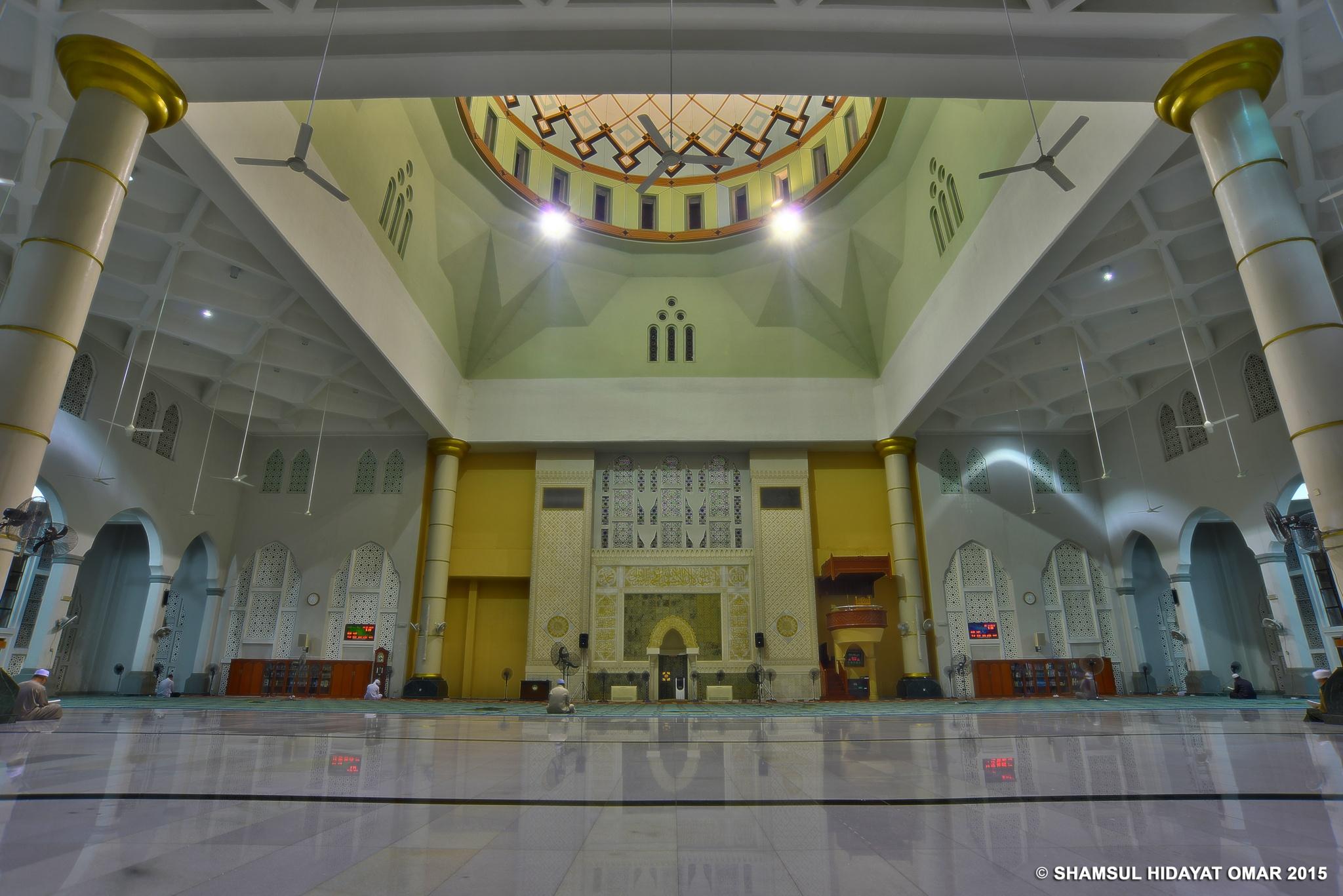 Masjid Bandaraya Kota Kinabalu (Interior) by ShamsulHidayatOmar