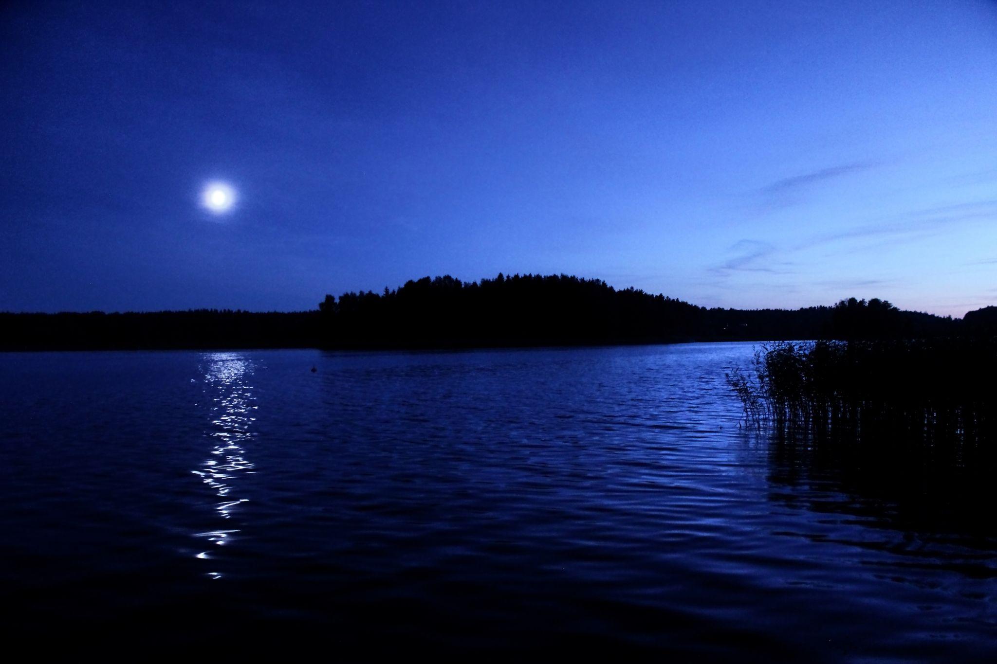 Moonlight serenade by Janne Peimola